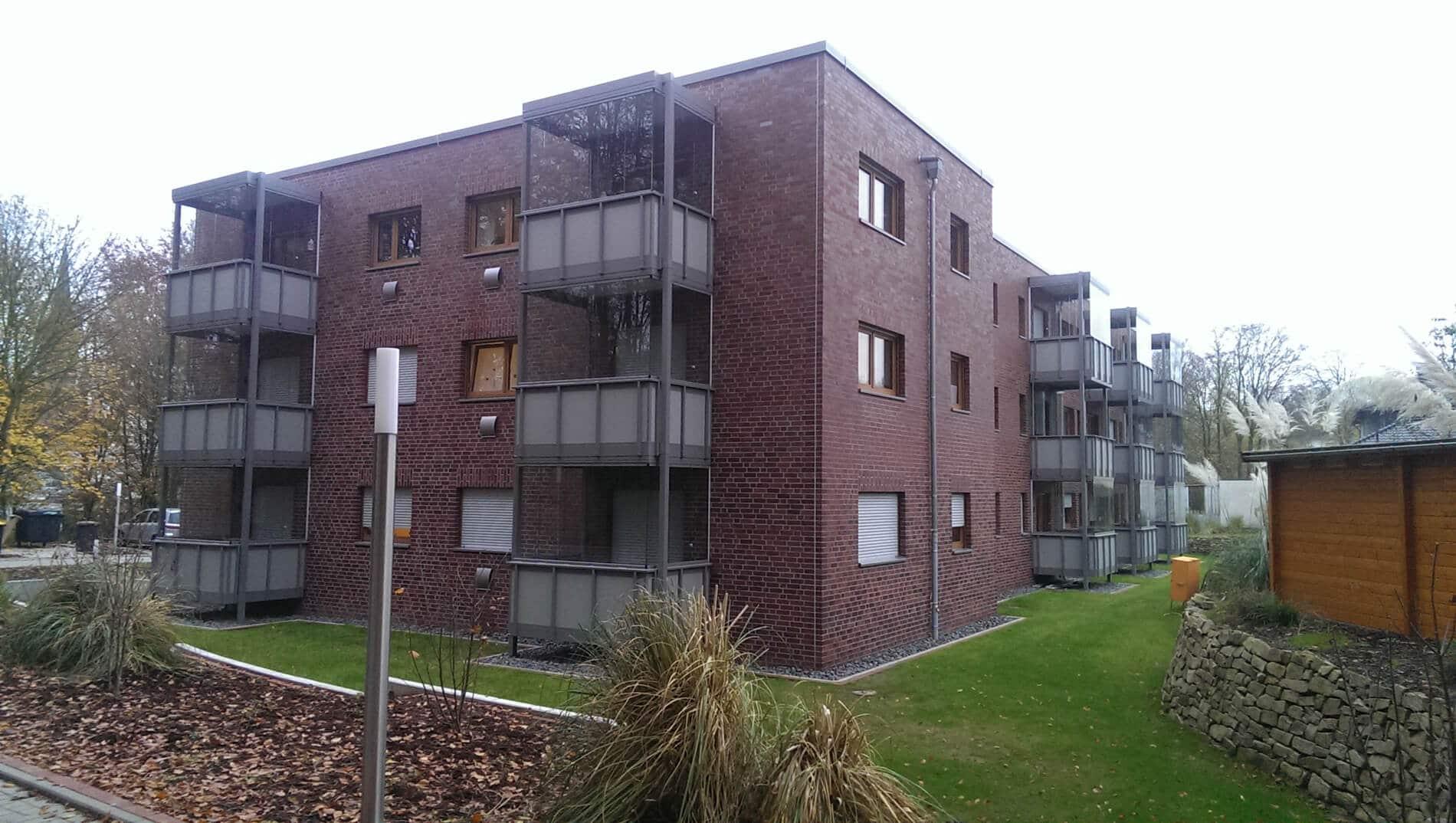 Schiebe-Dreh-Fenster für Balkon als Windschutz