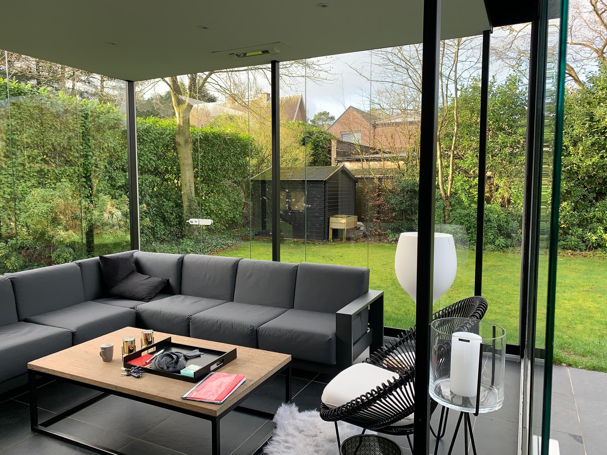 Schiebe-Dreh-System Wind- und Regenschutz für Terrasse