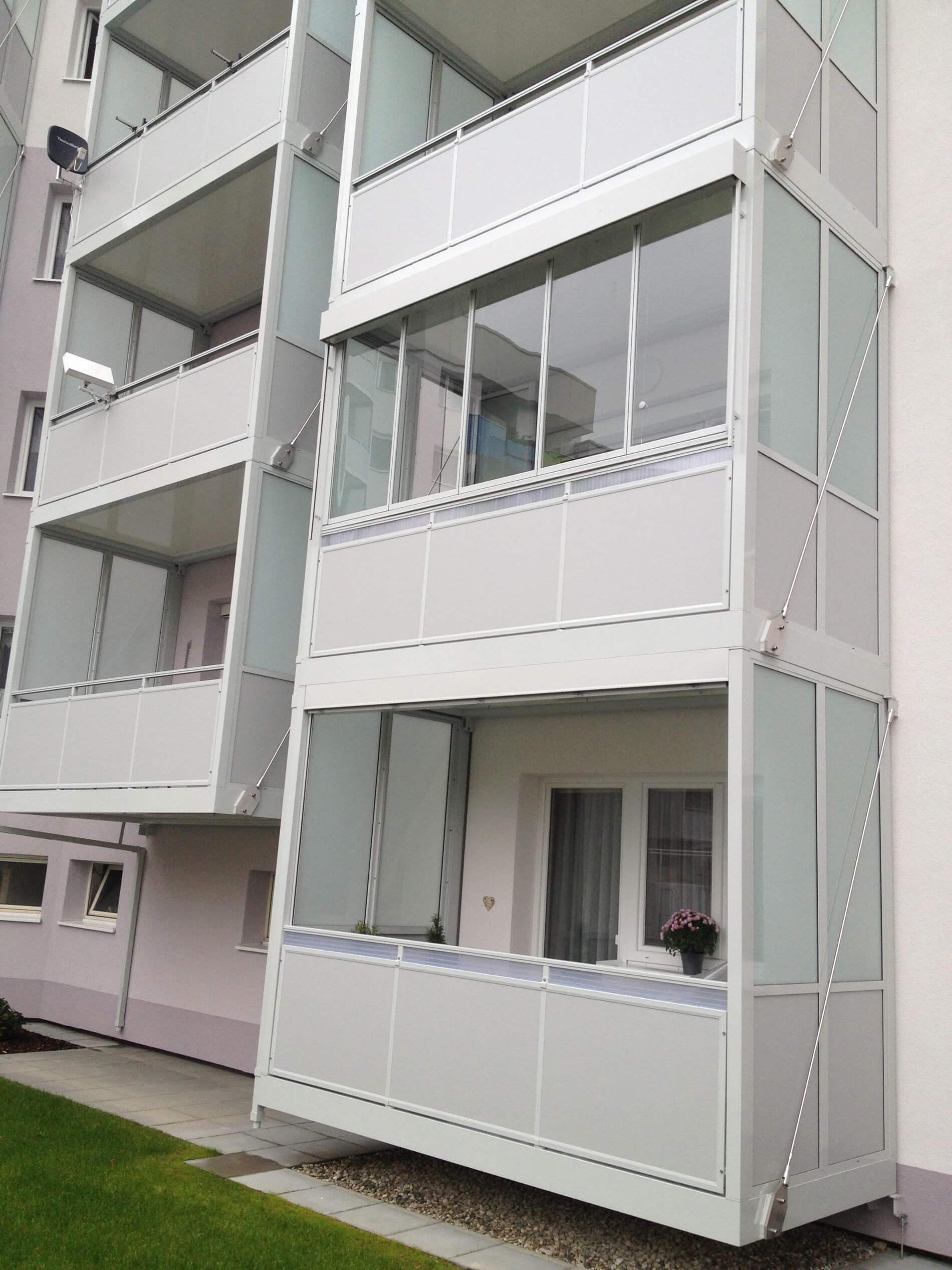 Schiebe-Dreh-Systeme für Balkon Glas