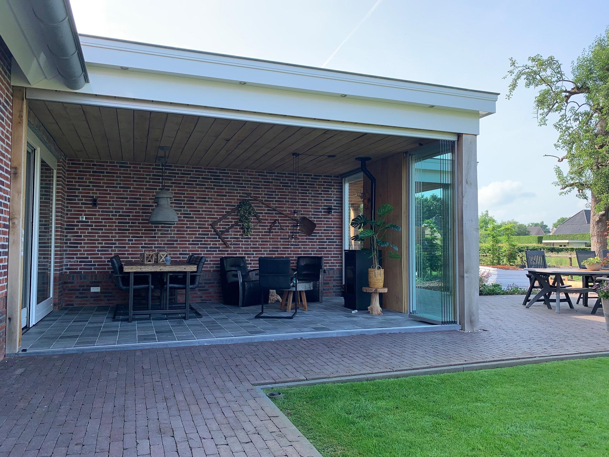Schiebe-Dreh-Systeme für großflächige Öffnungen in den Garten