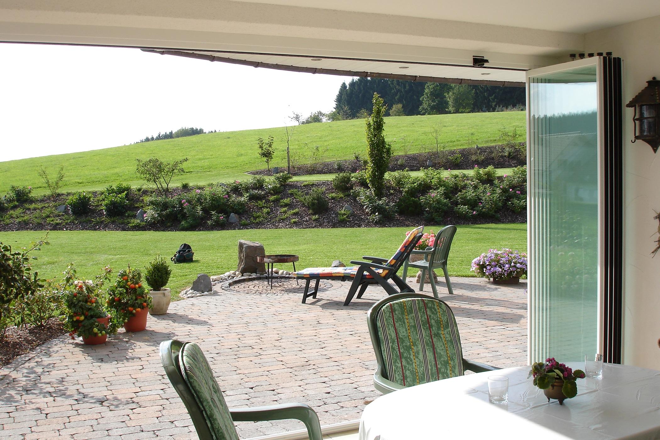 Schiebe-Dreh-Wände für Terrassenverkleidung