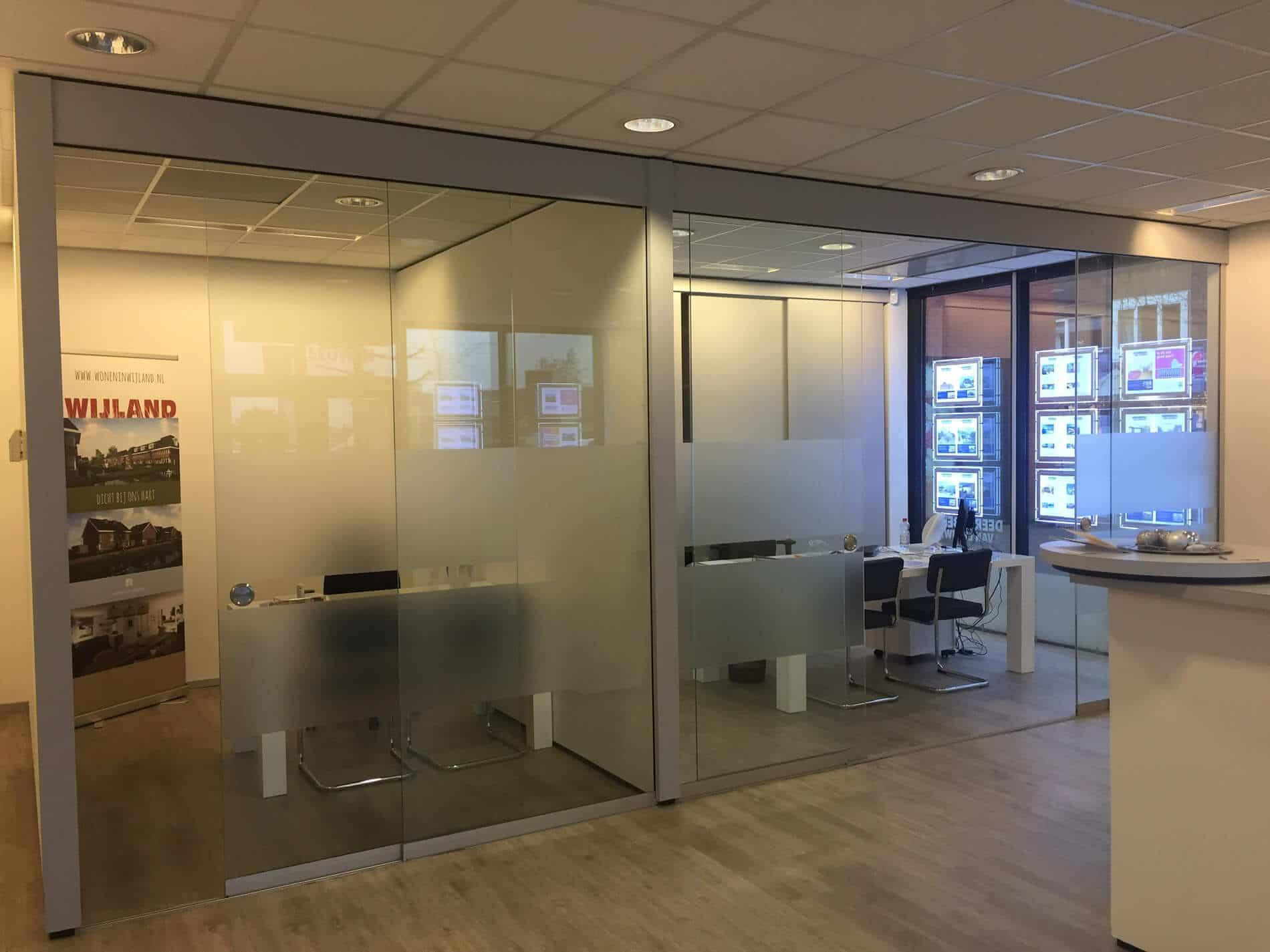 Schiebeelemente für Büro Trennwand nach Maß