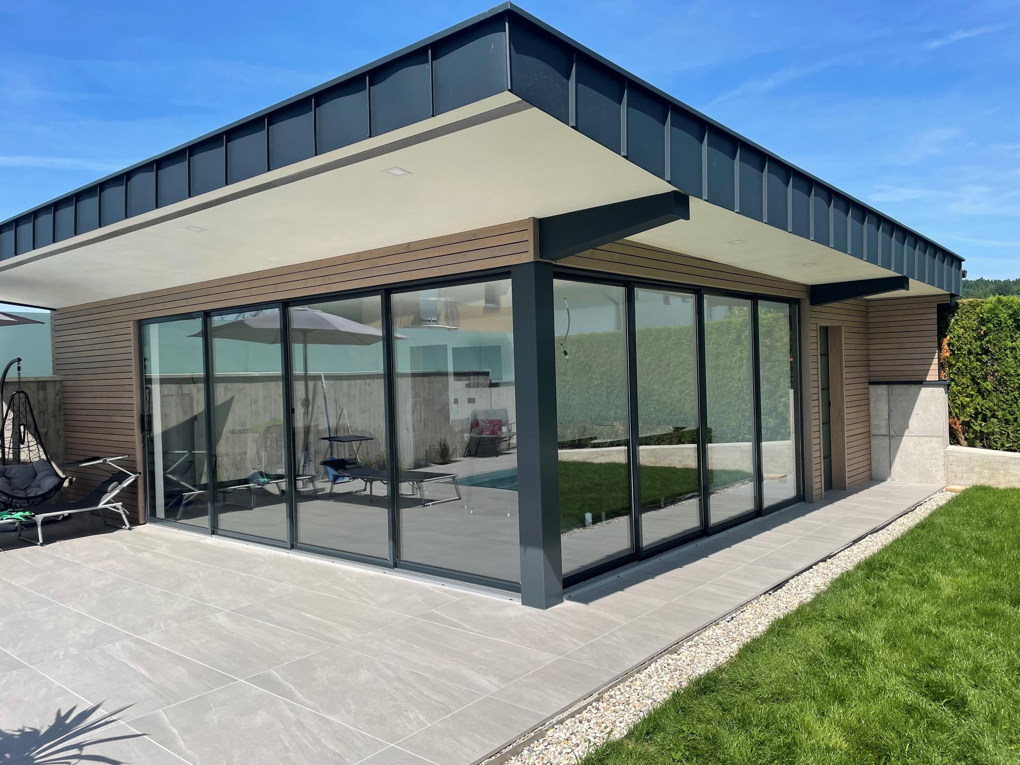 Schiebetüren außen für Gartenhaus in Oberösterreich