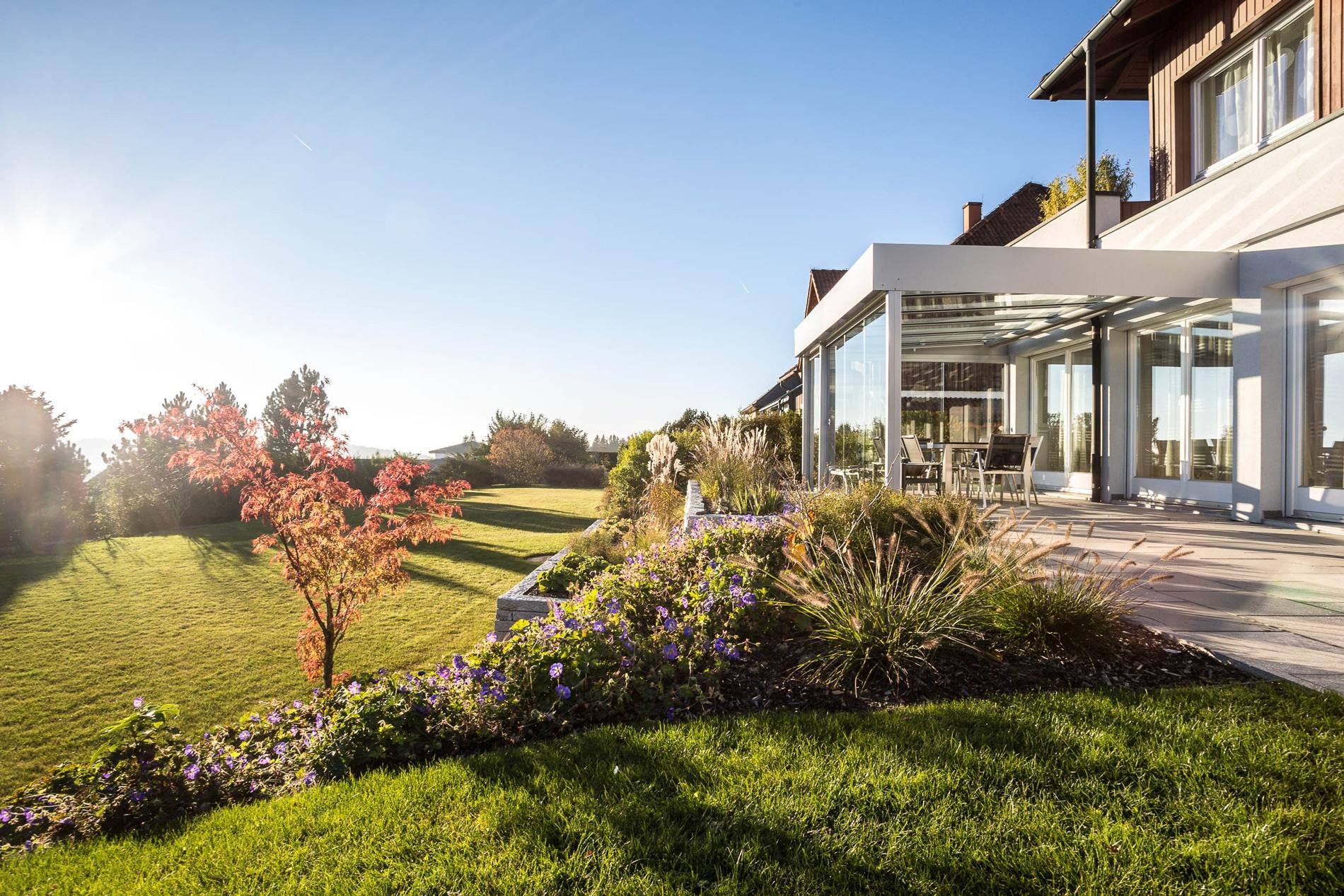 terrassen schiebet r aus glas gesch tzte r ume auf terrasse schaffen. Black Bedroom Furniture Sets. Home Design Ideas