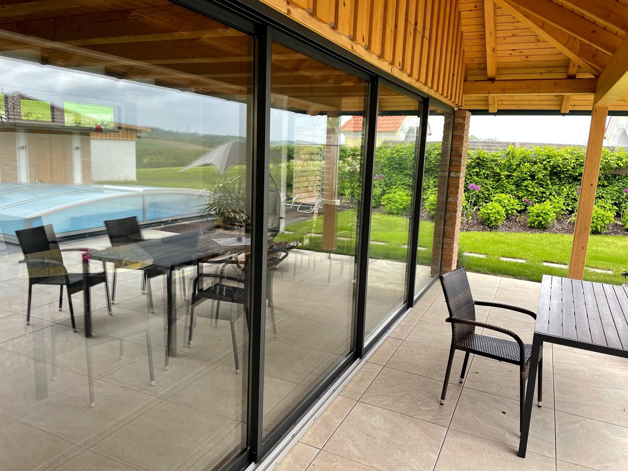 Schiebetüren mit Rahmen für Gartenhaus in Strengberg
