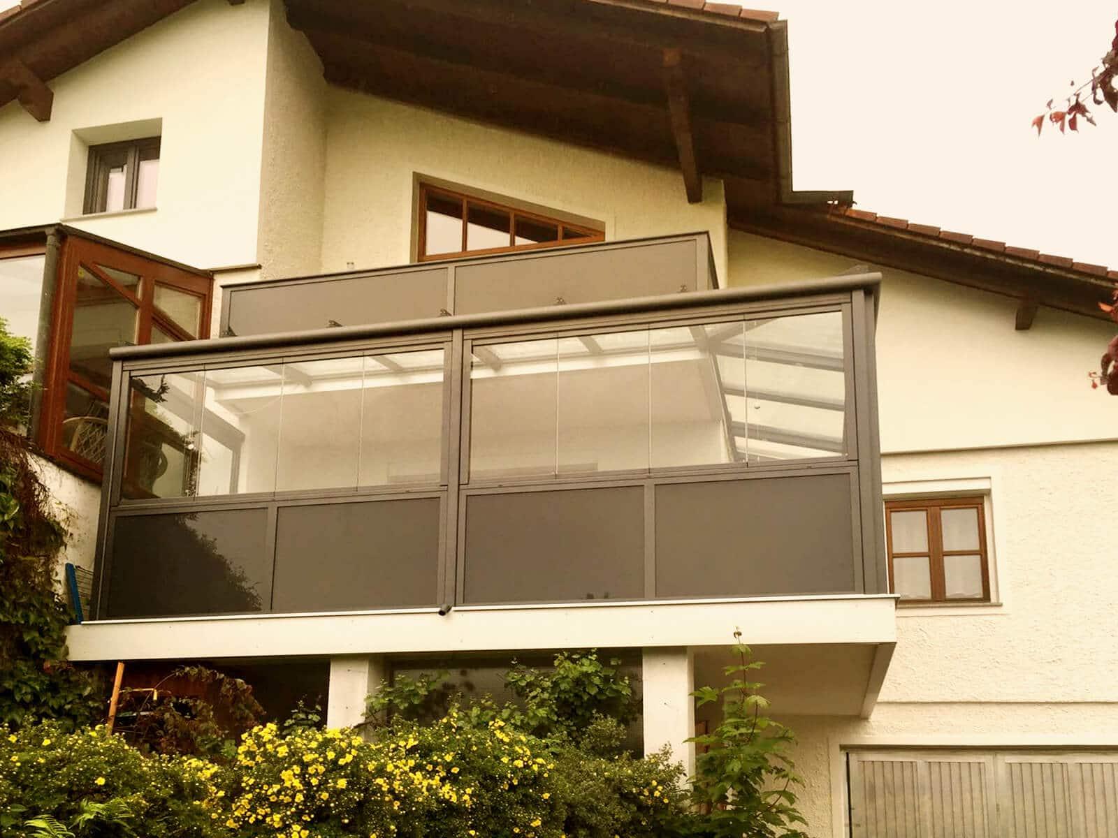 Schmidinger Wintergarten Aluminium unter Balkon