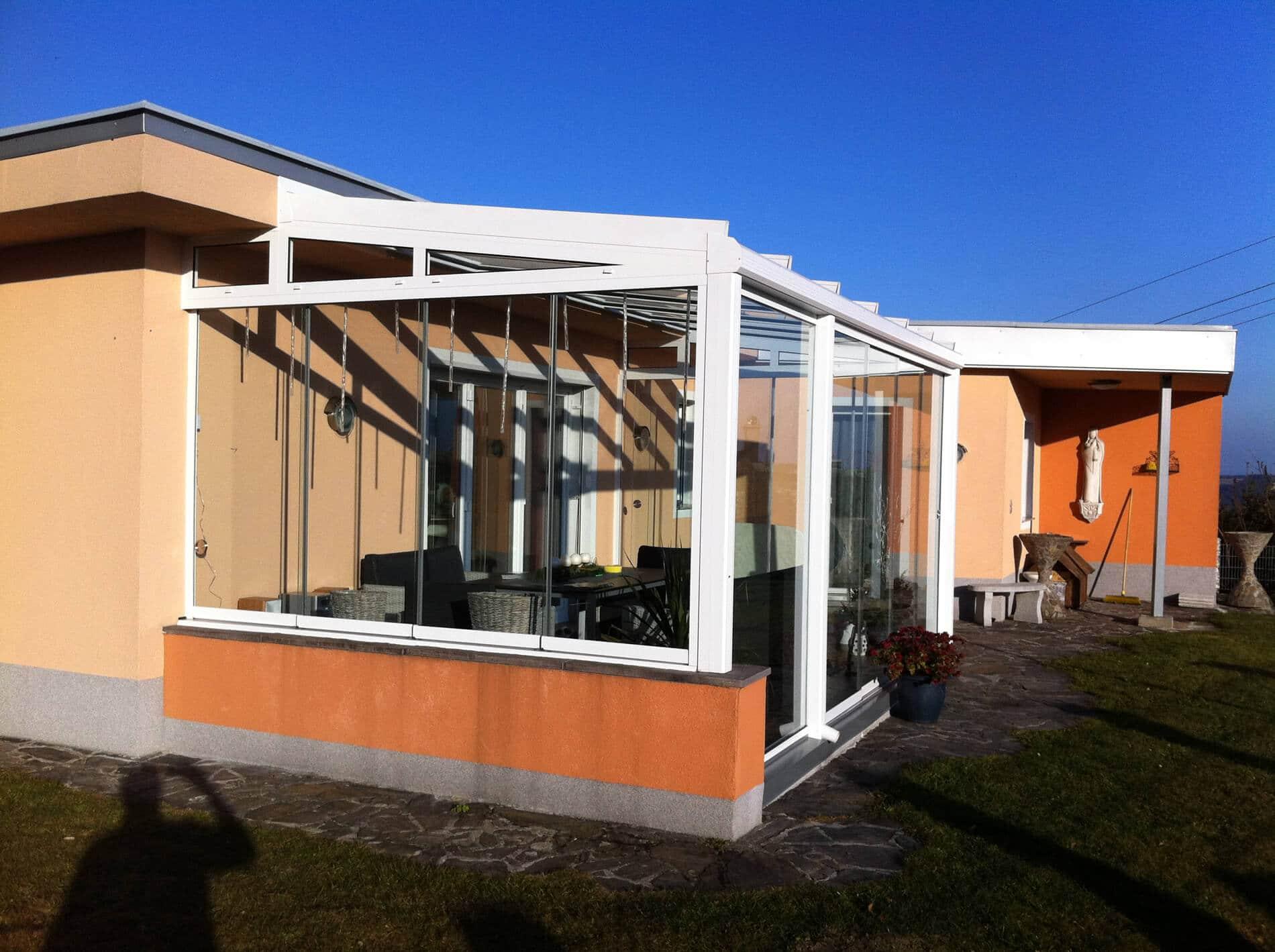 Sommergärten mit rahmenloser Optik