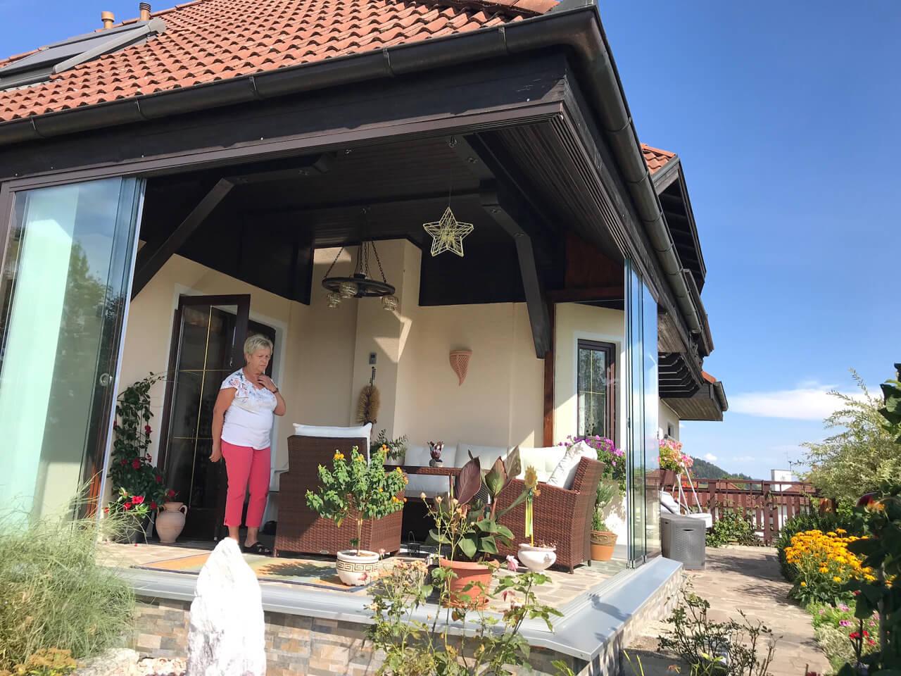 Terrasse mit Schiebetüre verbauen