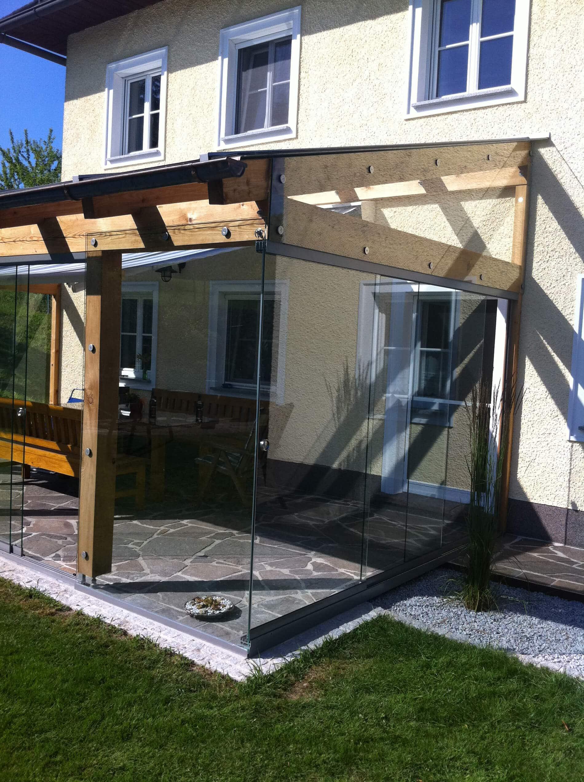 Terrassendach mit Glasschiebewand