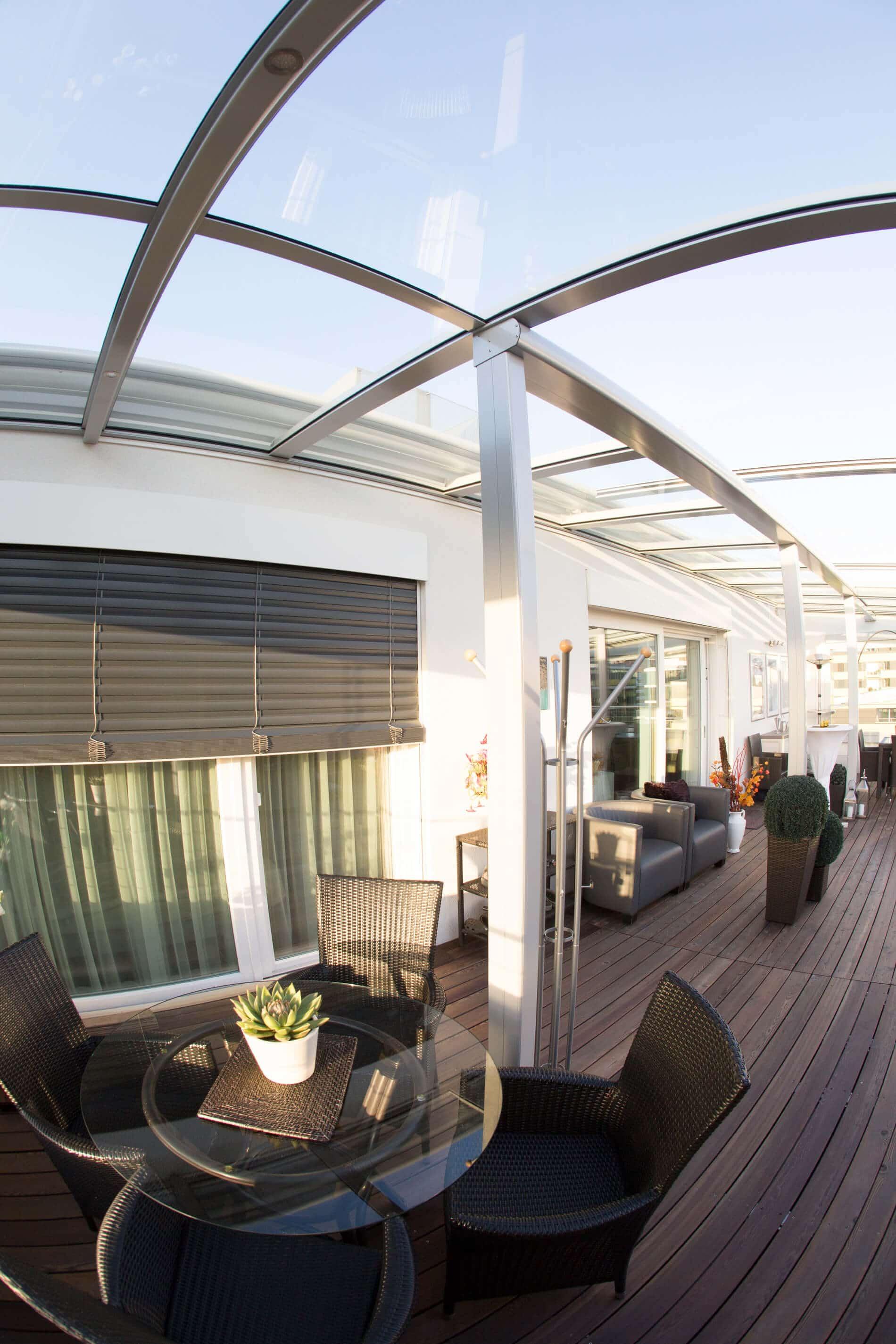 Terrassendach Windschutz Beleuchtung