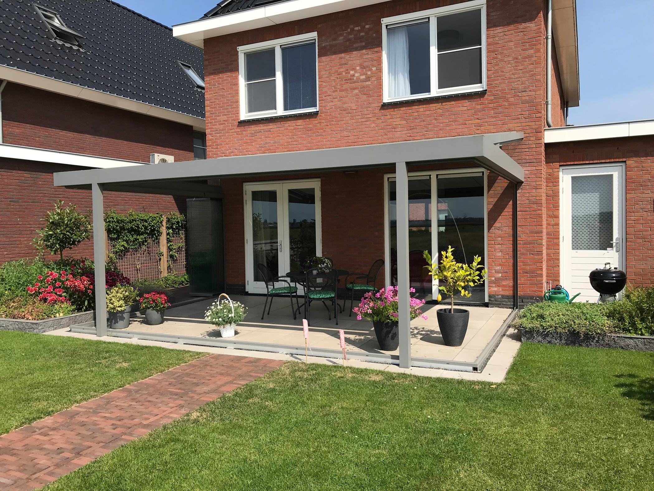 Terrassendächer mit Schiebe-Dreh-Wänden von Sunflex verkleiden