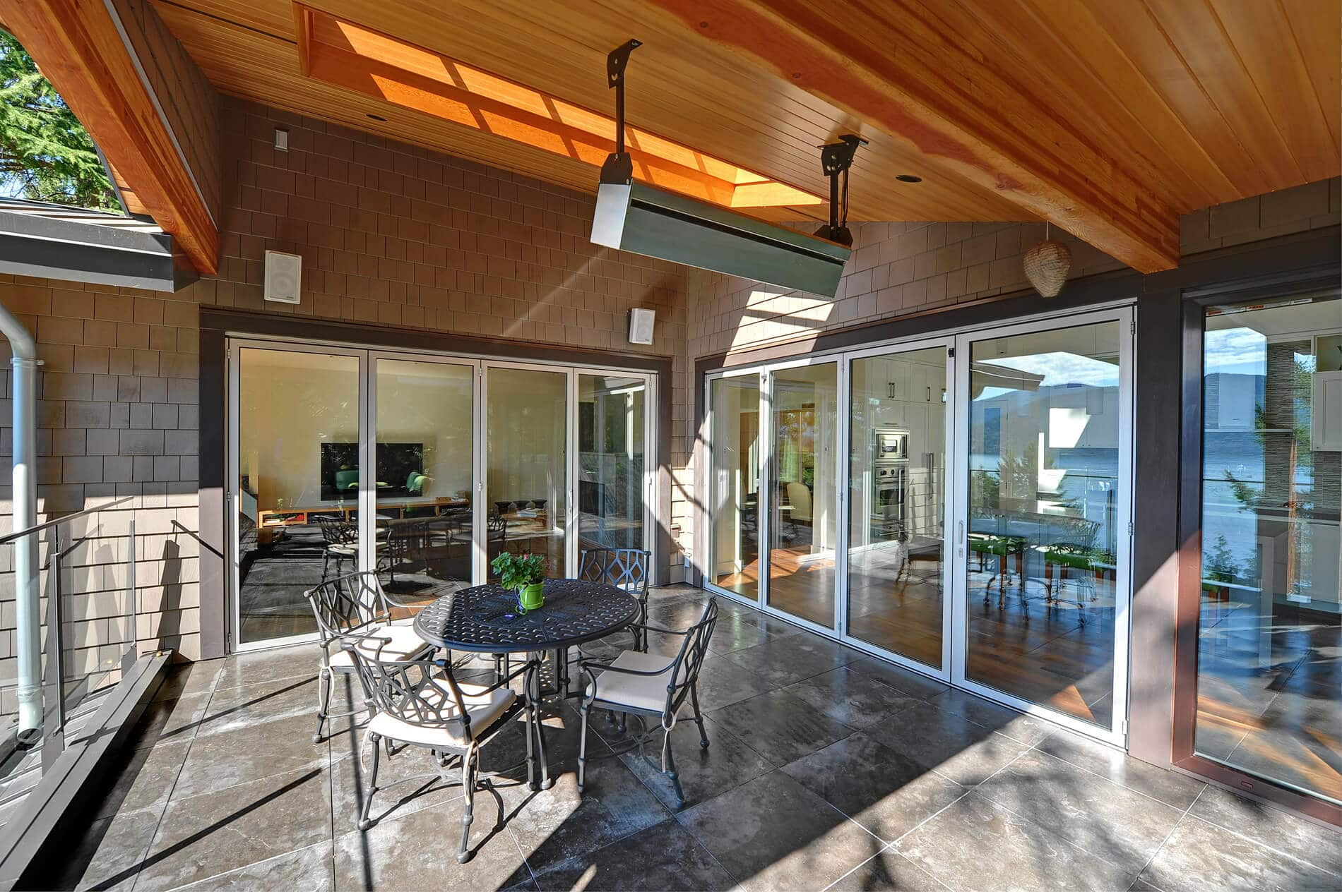 Terrassenfaltschiebetüre Farbe weiß, Außenbereich