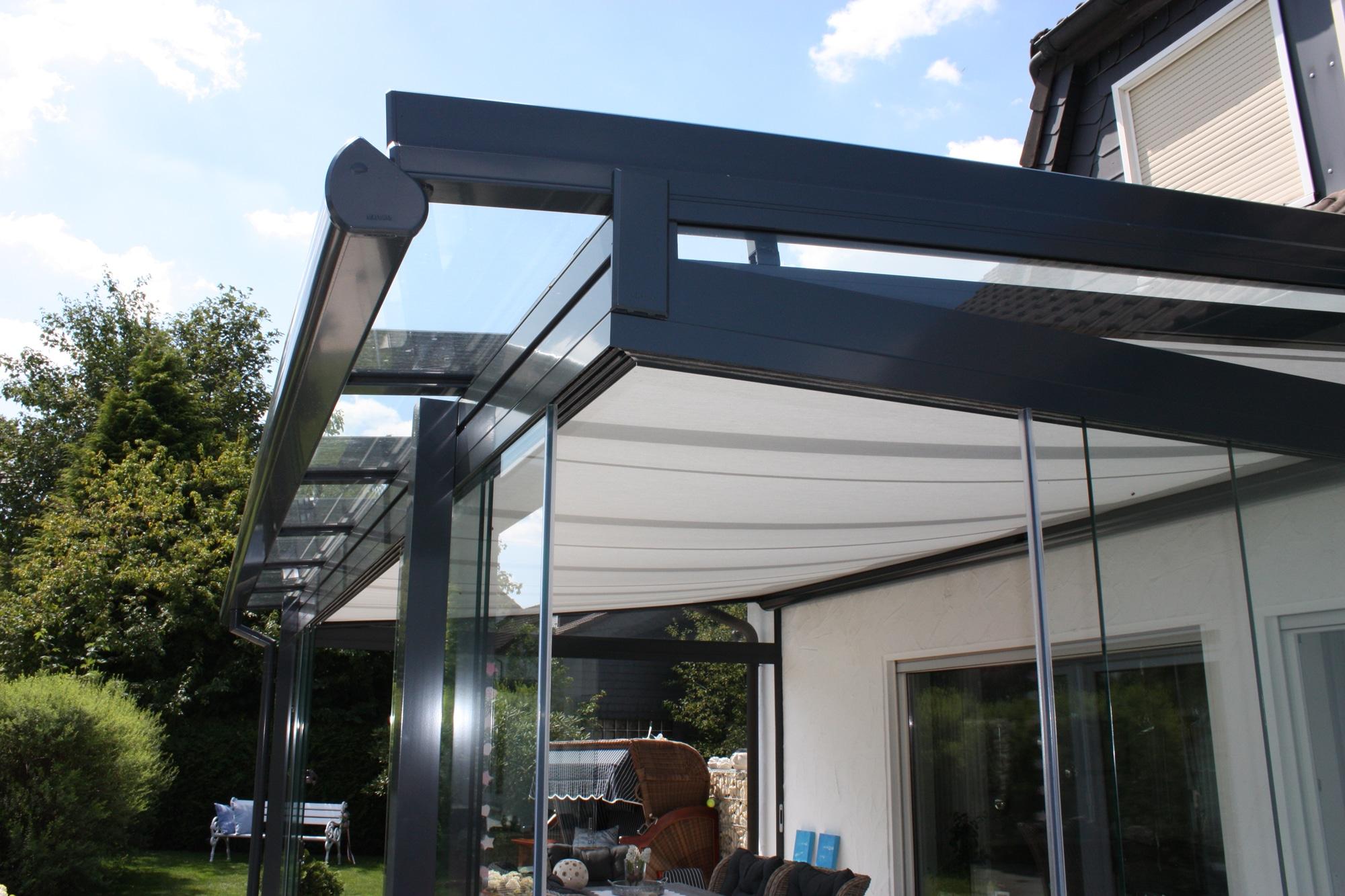 Terrassenüberdachung Alu Glas mit Seitenwand