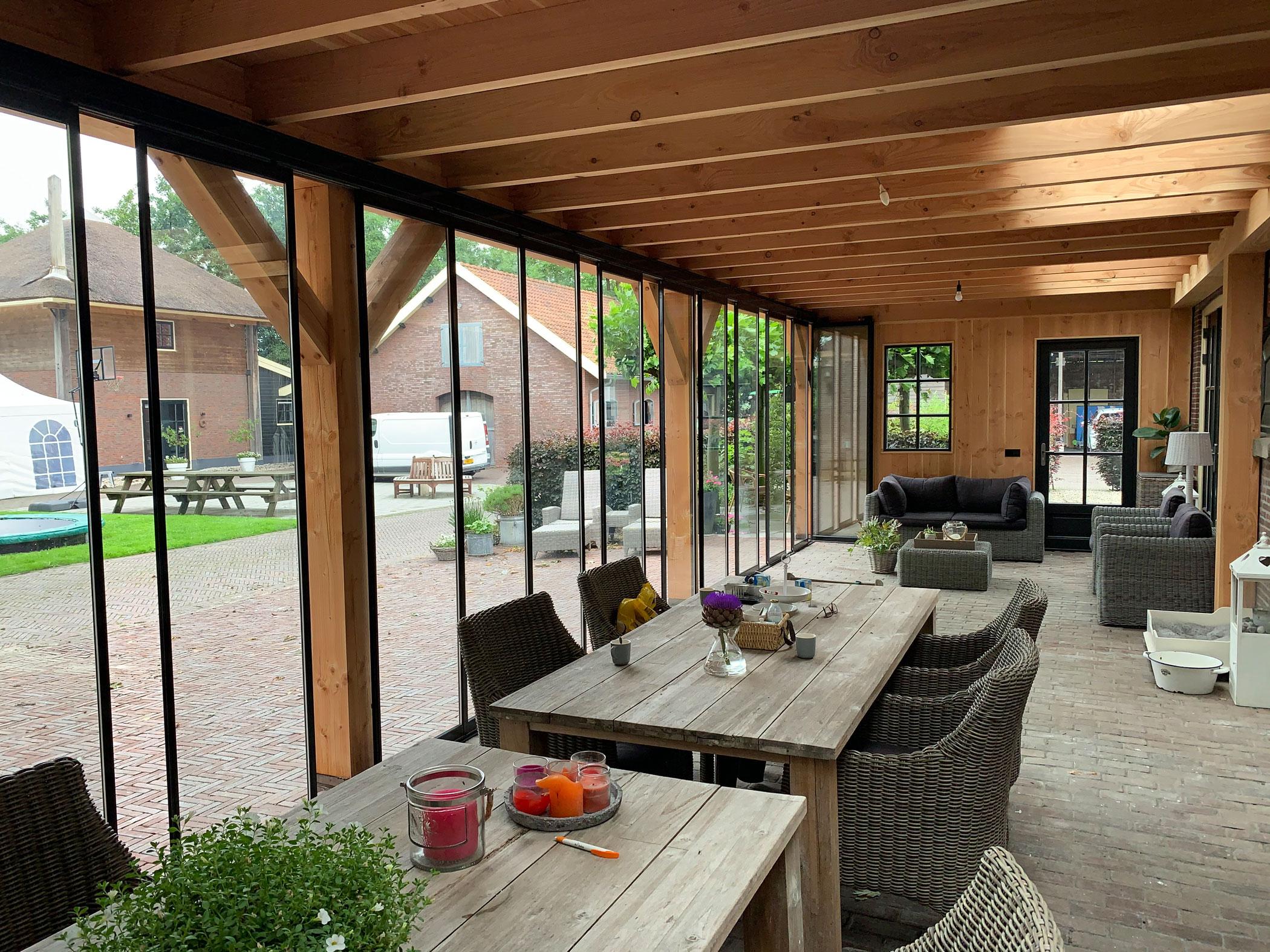Terrassenüberdachung ausbauen
