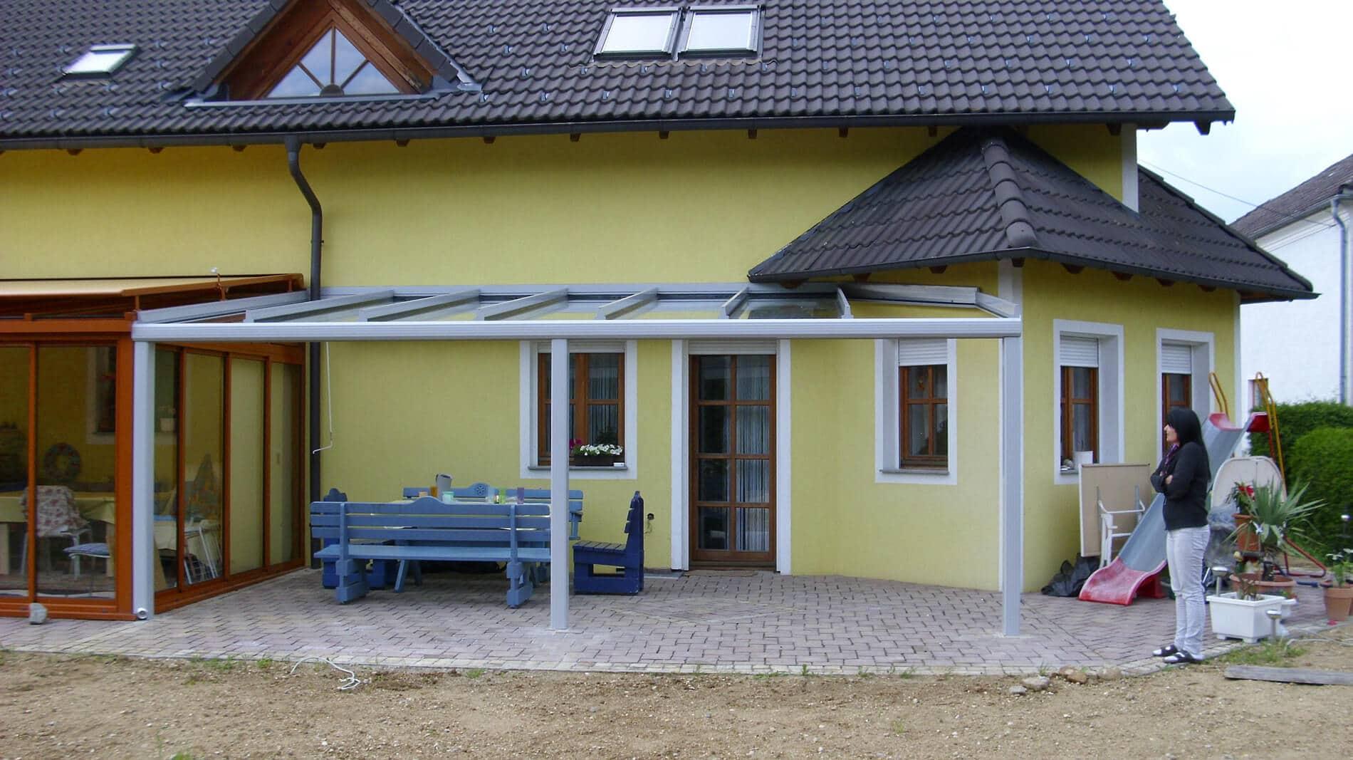 Terrassenüberdachung grau Österreich