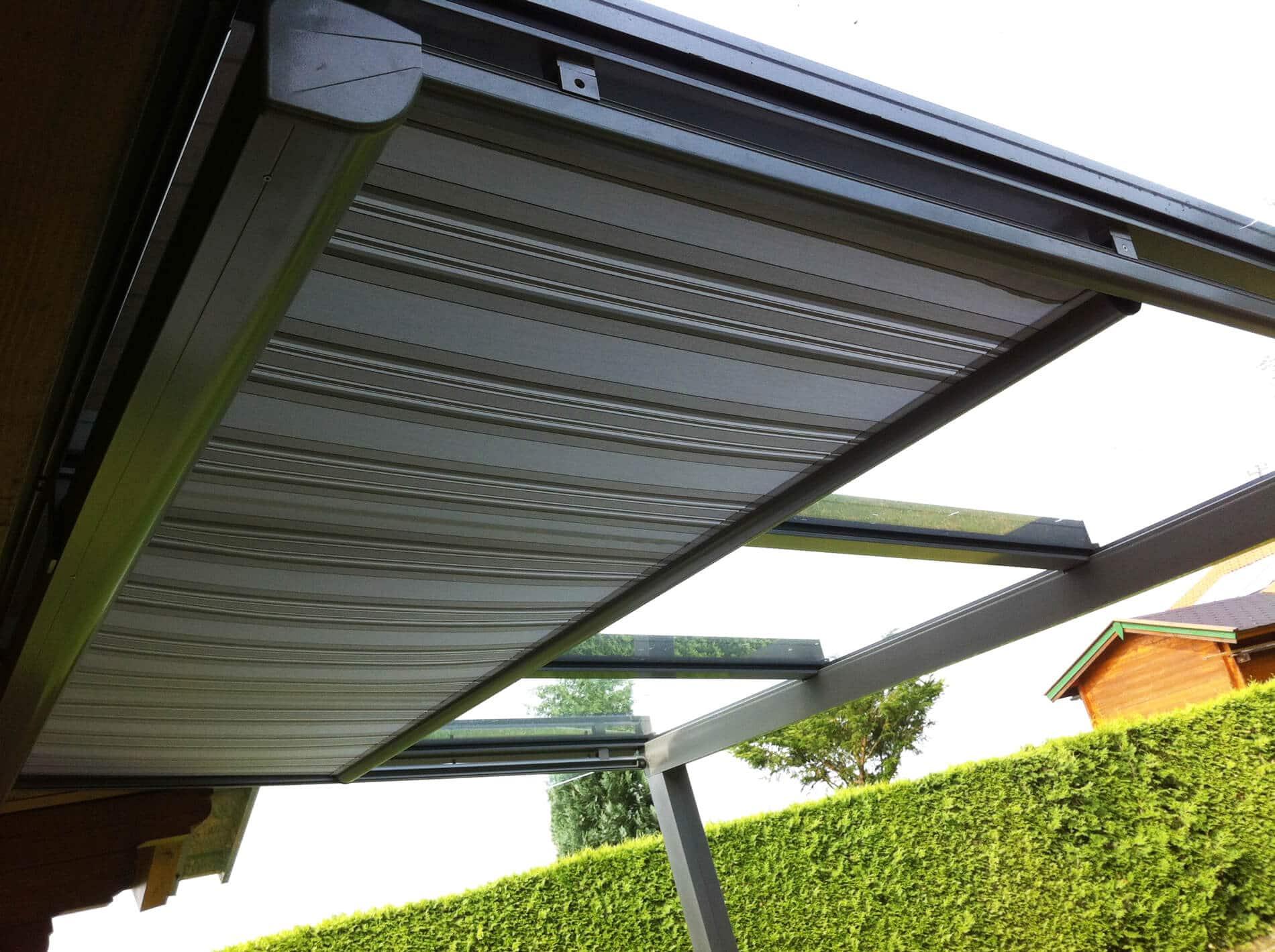 Terrassenüberdachung mit Markise darunter