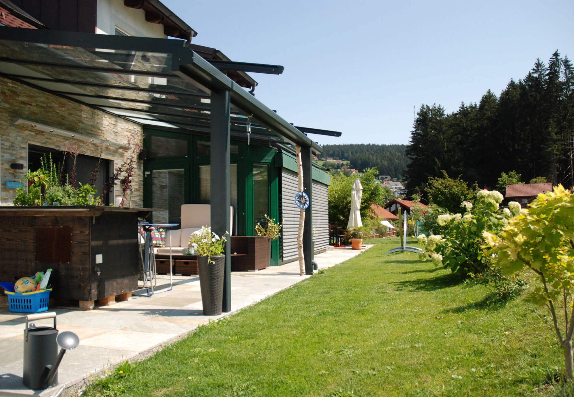 Terrassenüberdachung Pergola mit Glasdach