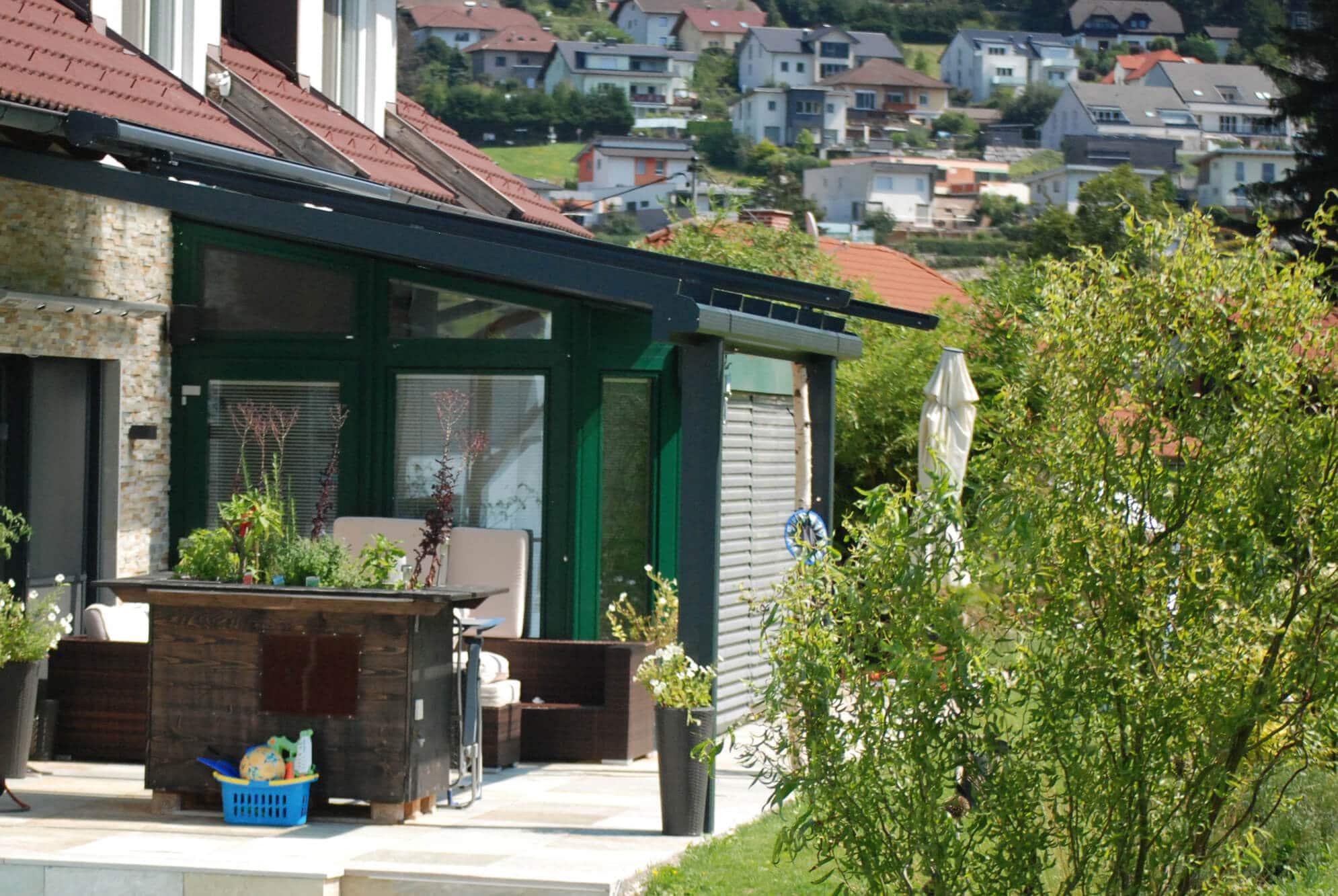 Terrassenüberdachungen modern Alu in anthrazit RAL 7016