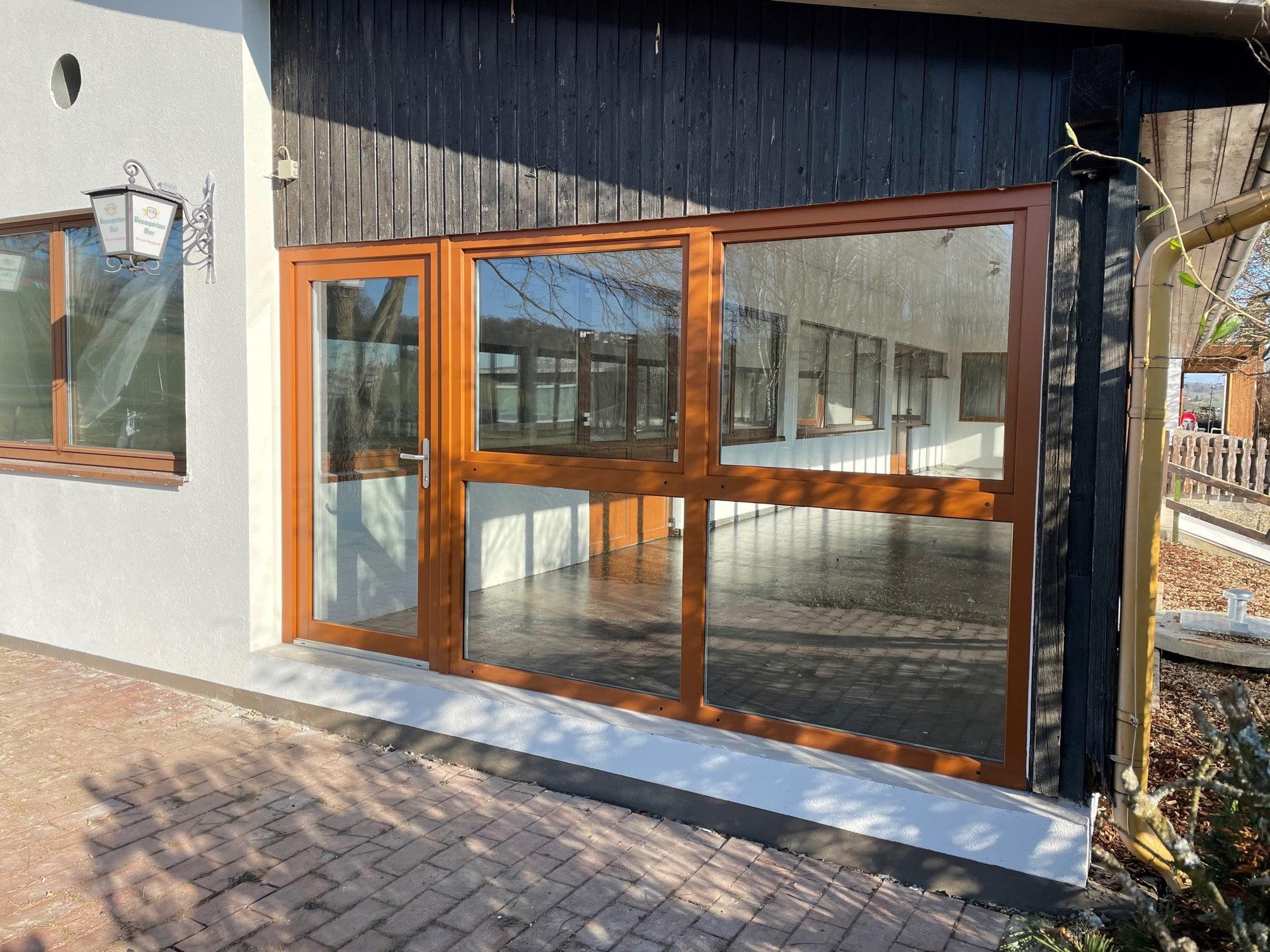 Terrassenverglasung mit Tür