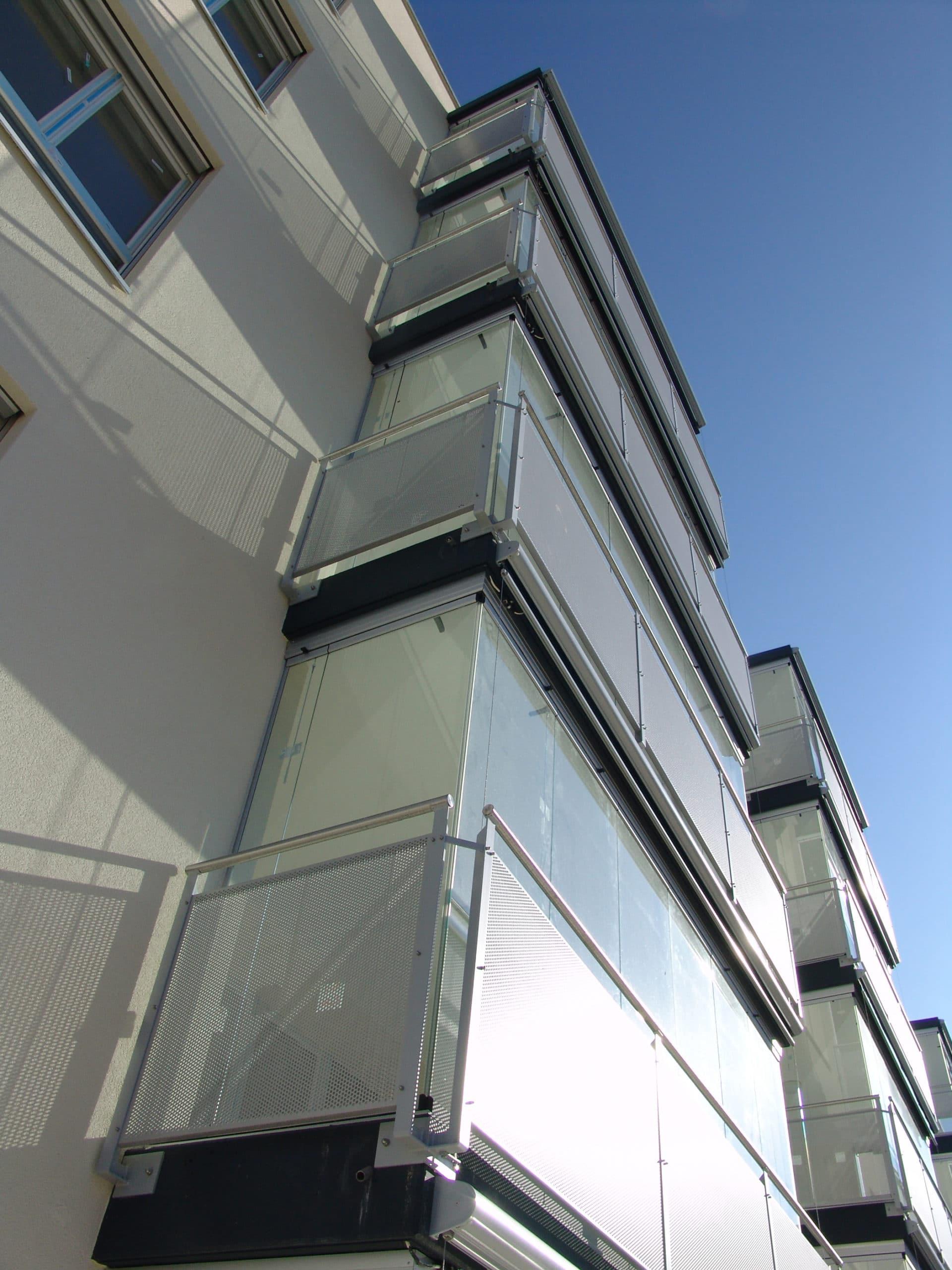 Transparenter Windschutz Loggiaverbauten nach Maß
