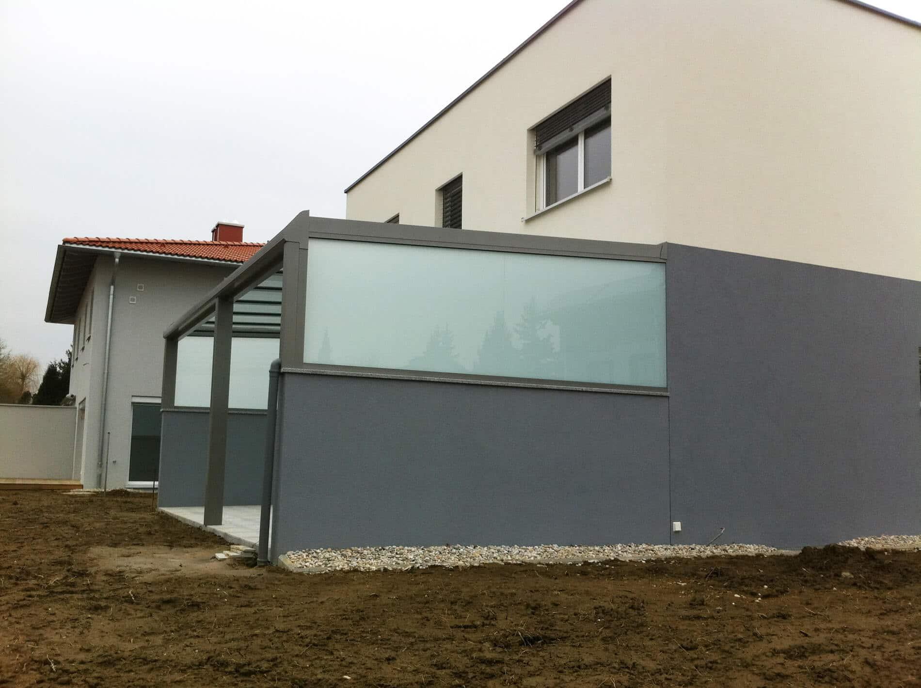 Überdachung mit Sichtschutz