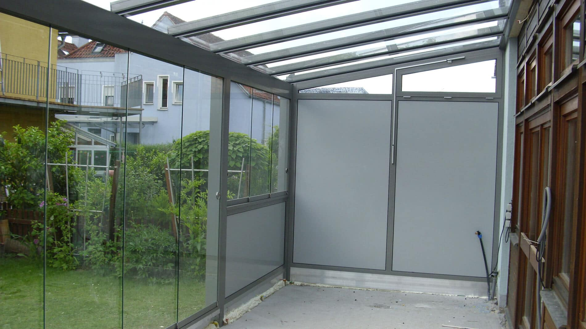 Überdachung Wetterschutz und Sichtschutz