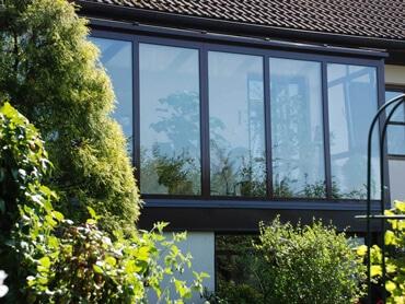 Verglasung für Balkon