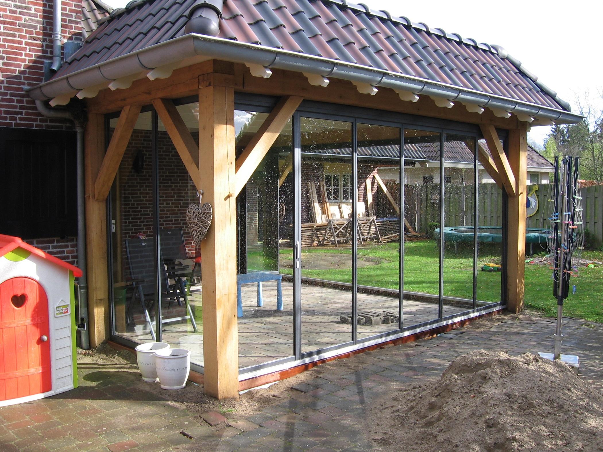 Verglasungsmöglichkeiten bestehende Überdachungen auf der Terrasse