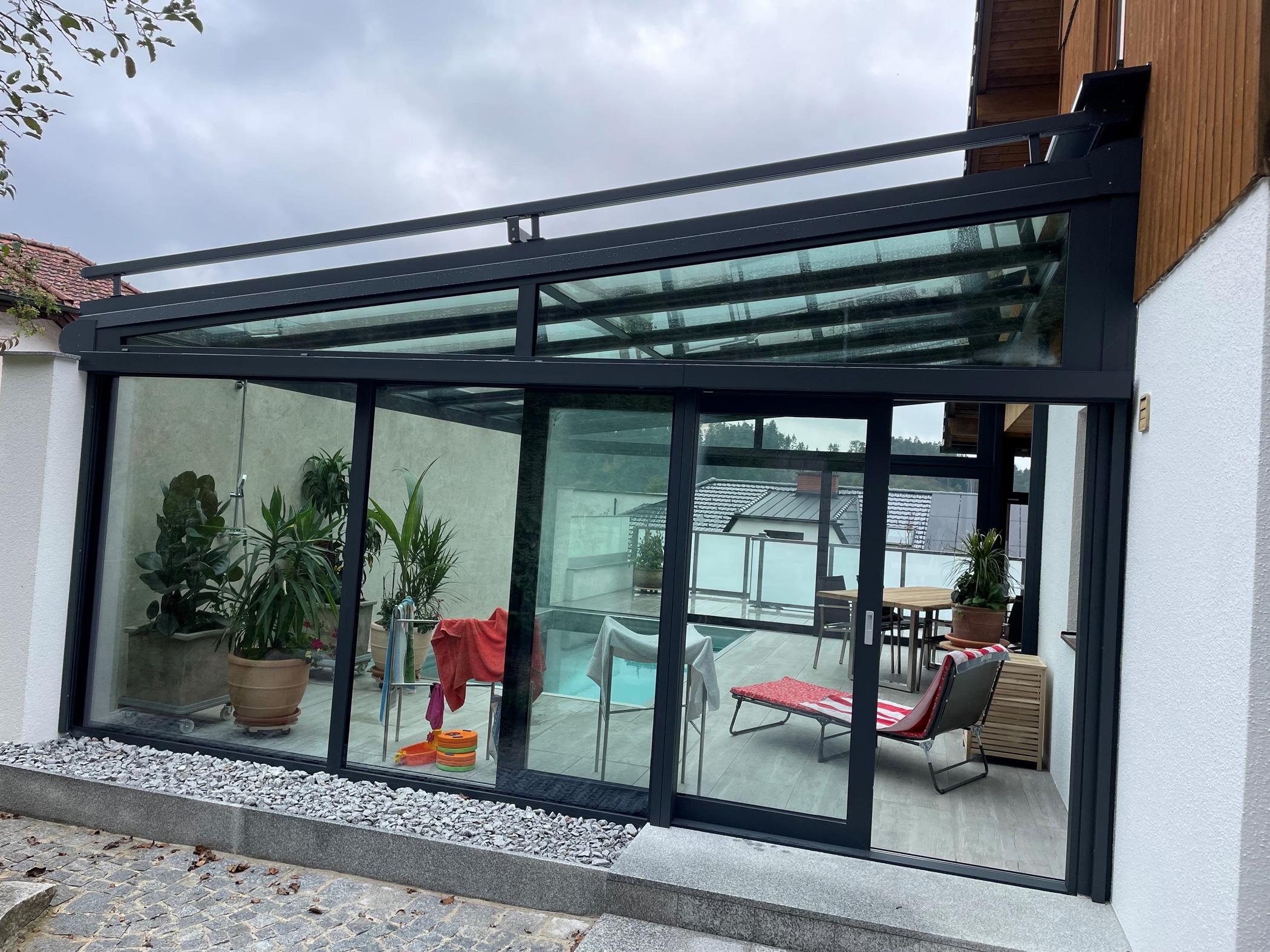 Warmwintergarten Maßanfertigung mit Dachbeschattung
