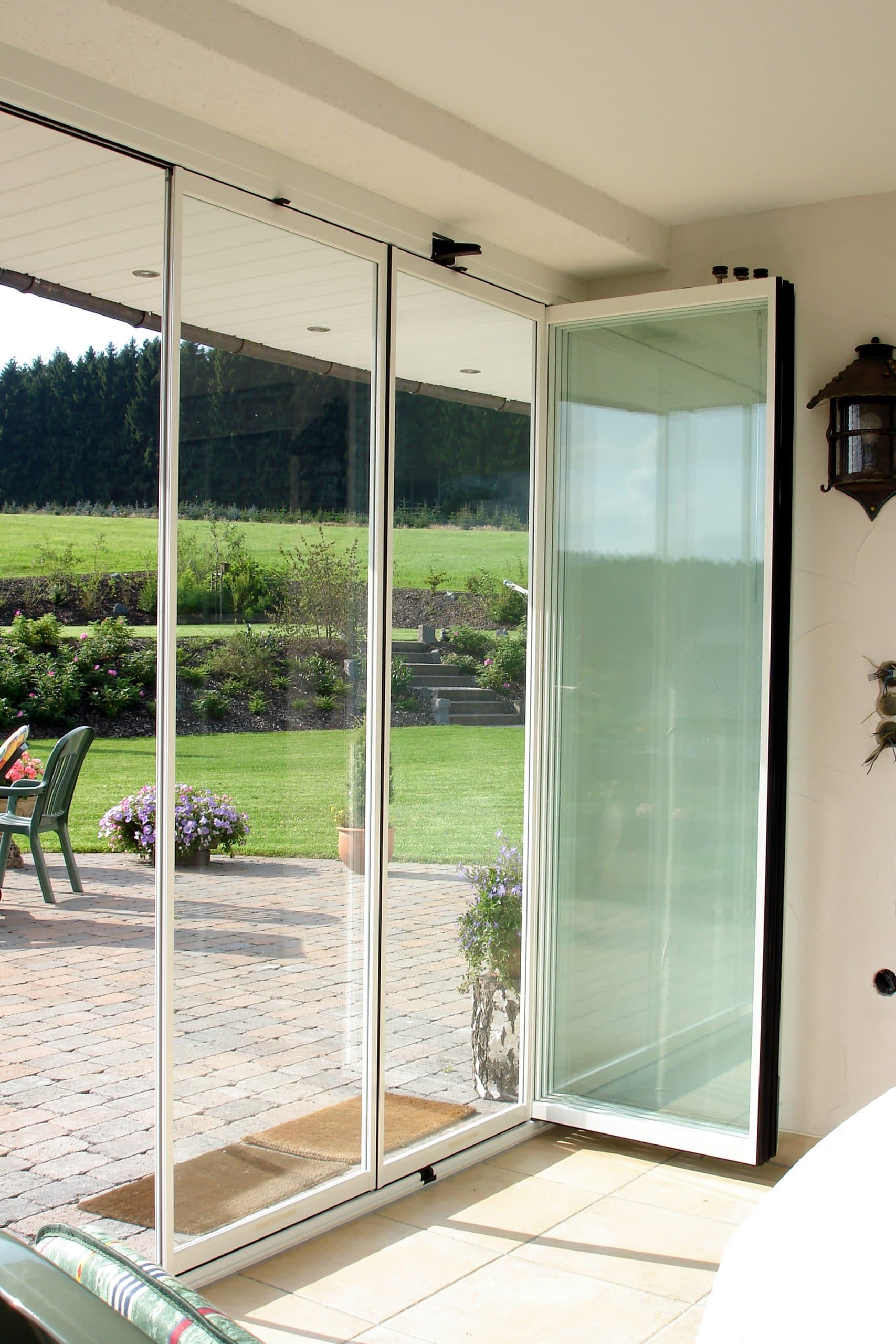 Wind- Staub- und Lärmschutz für Terrasse mit einer Verglasung