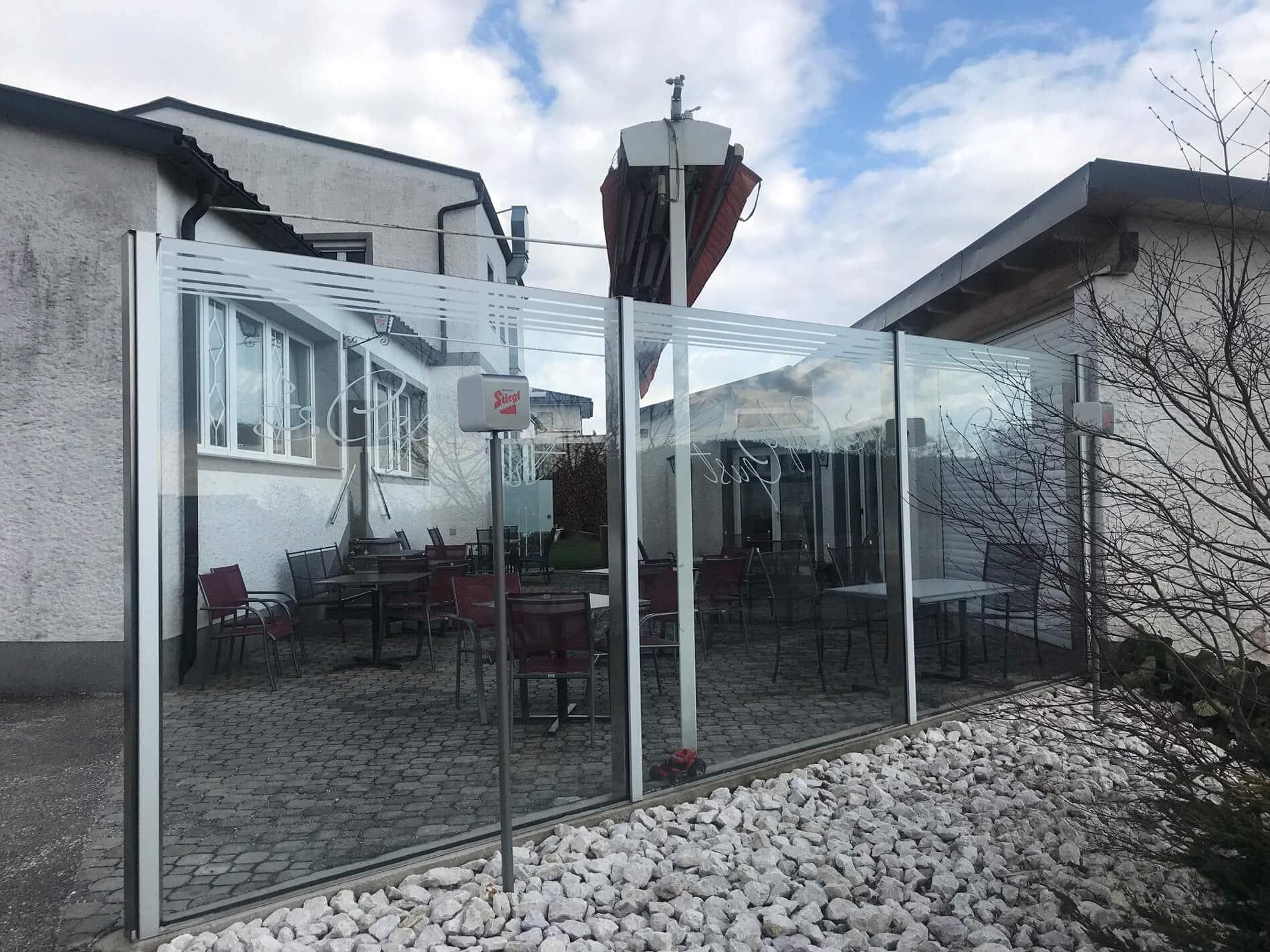 Windschutz mit Glas freistehende nach Maß
