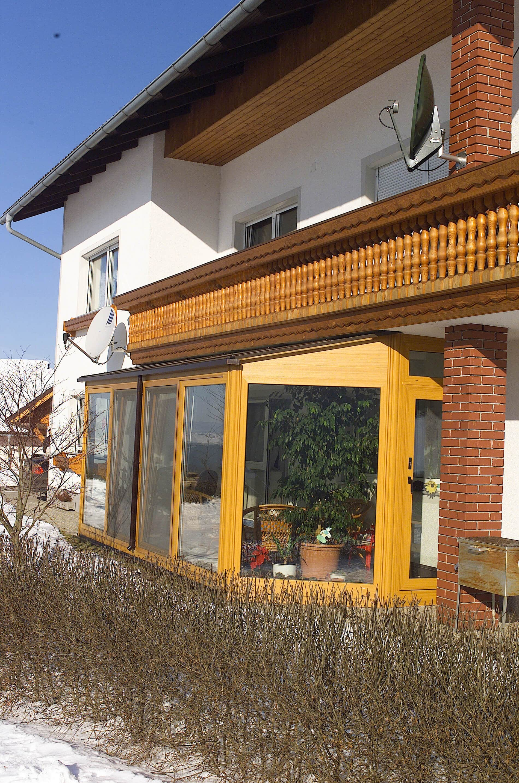 Wintergarten an Balkon montiert
