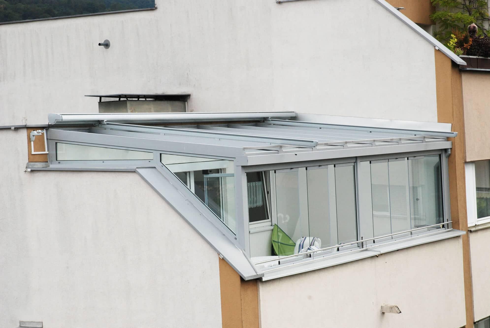 Wintergarten Faltfenster ohne Rahmenprofile