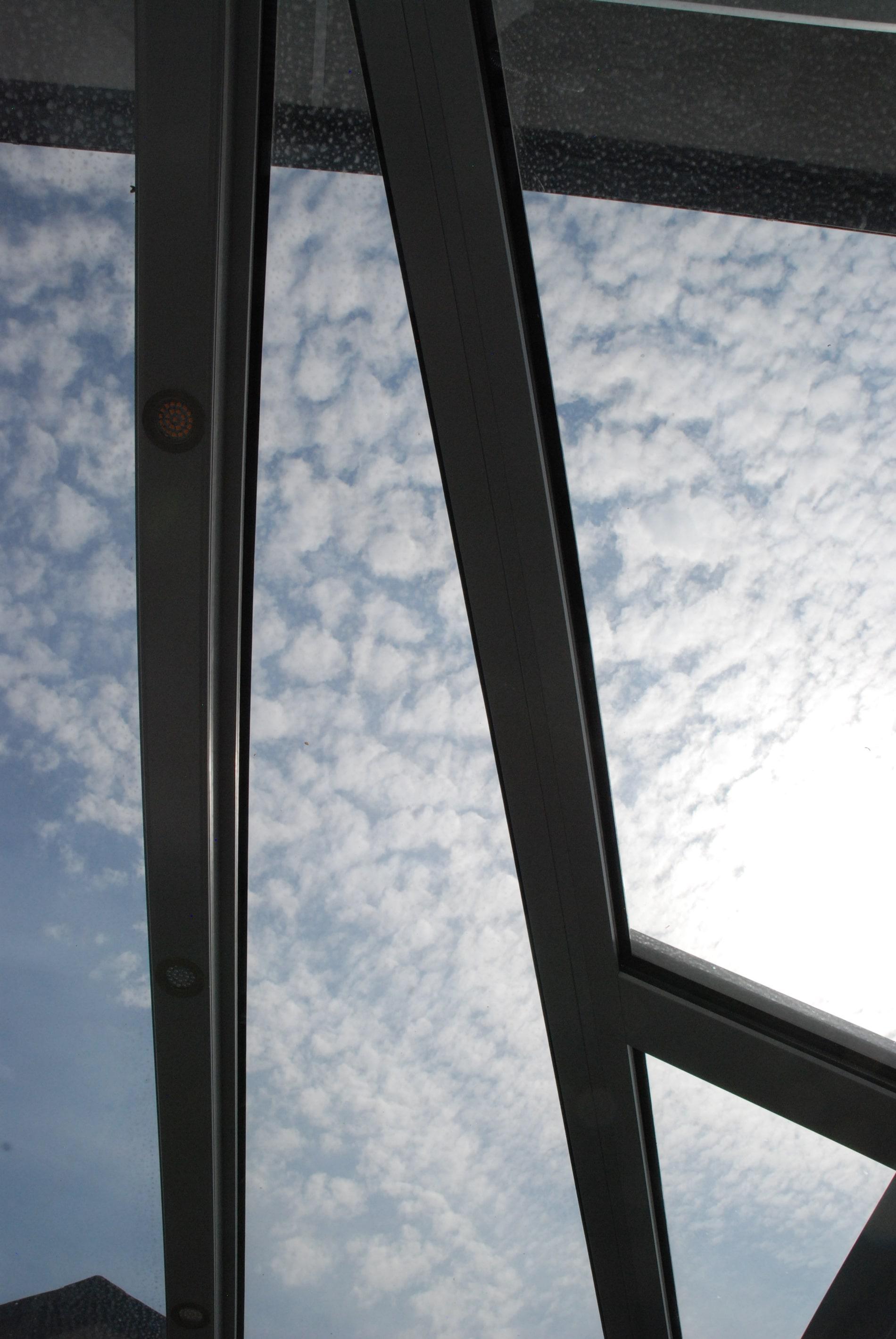 glasschiebeelemente terrasse au en bester wind und wetterschutz. Black Bedroom Furniture Sets. Home Design Ideas