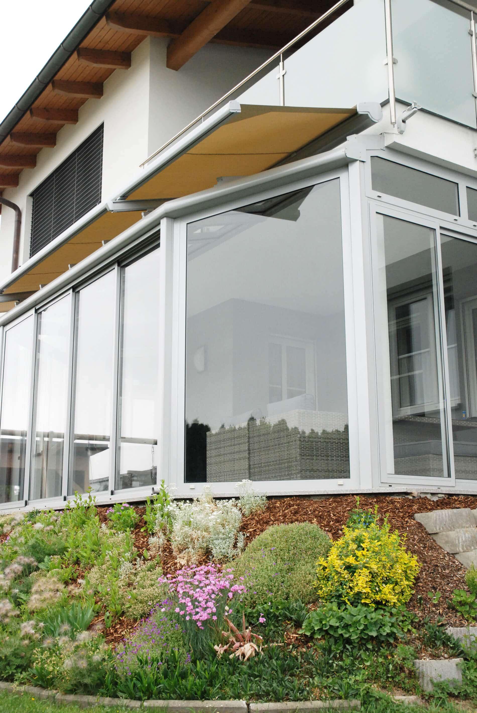 Wintergarten Glasdach und Schiebetüren