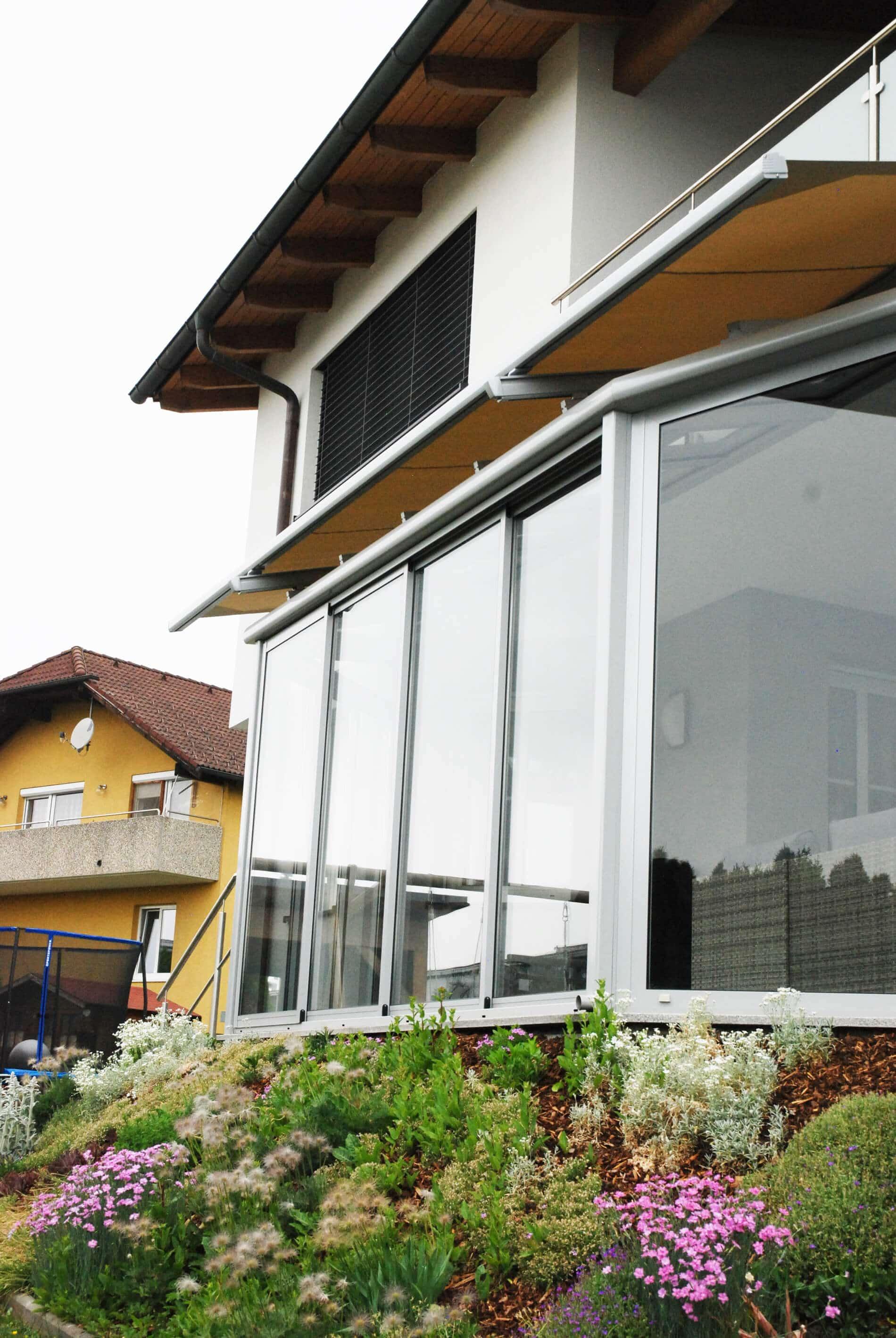 Wintergarten Glasschiebeelemente + Glasdach