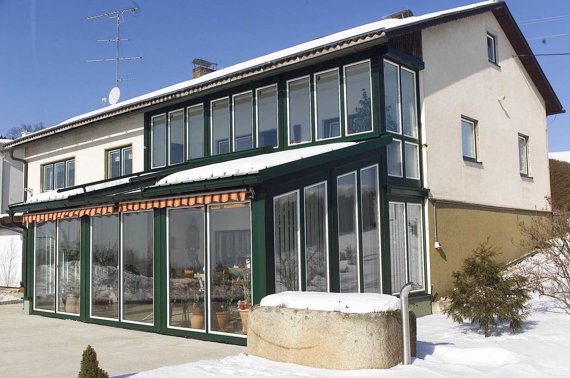 Wintergarten mit Balkonverglasung