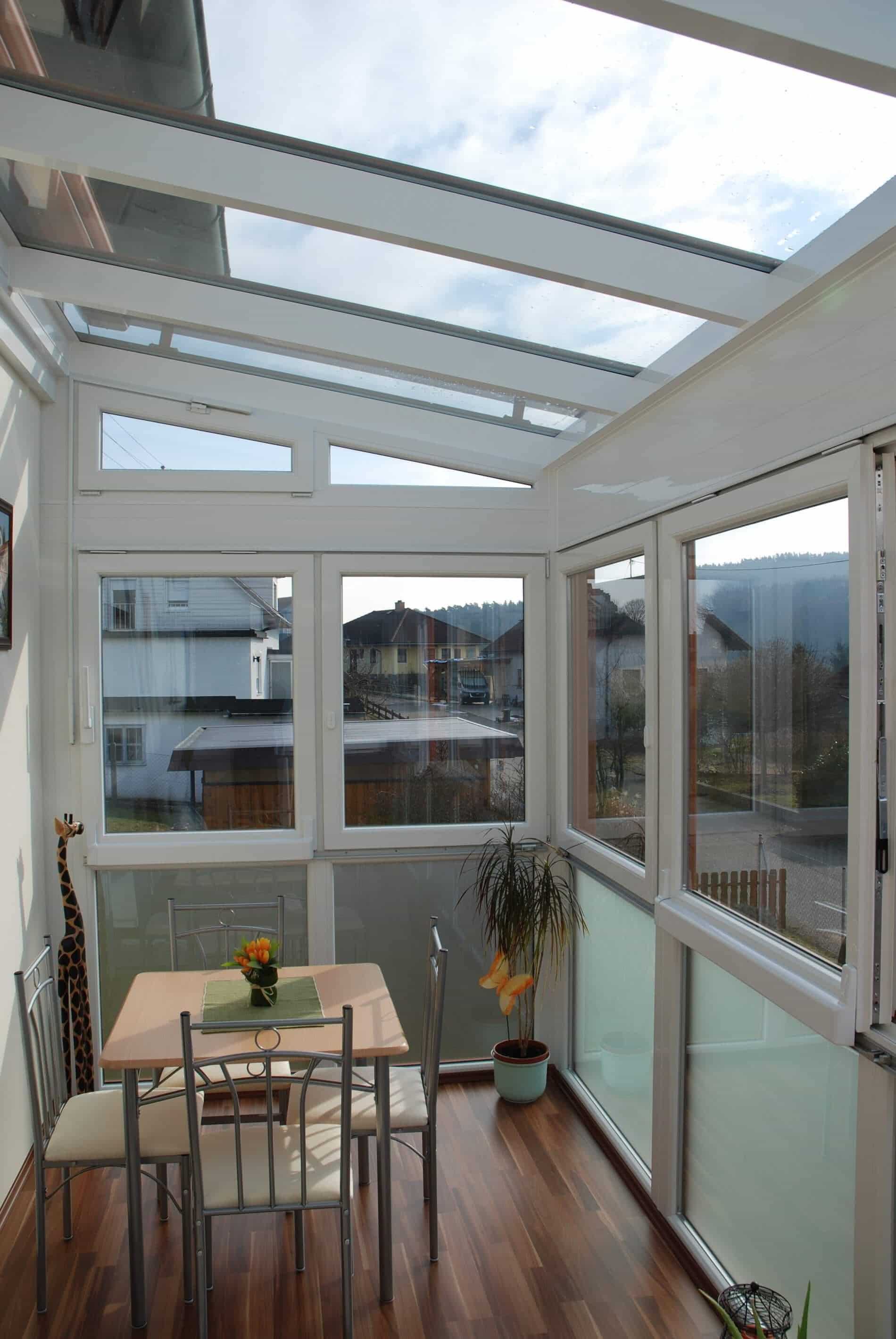Wintergarten mit Kunststoff Schiebefenster Parallel-Schiebe-Kipp
