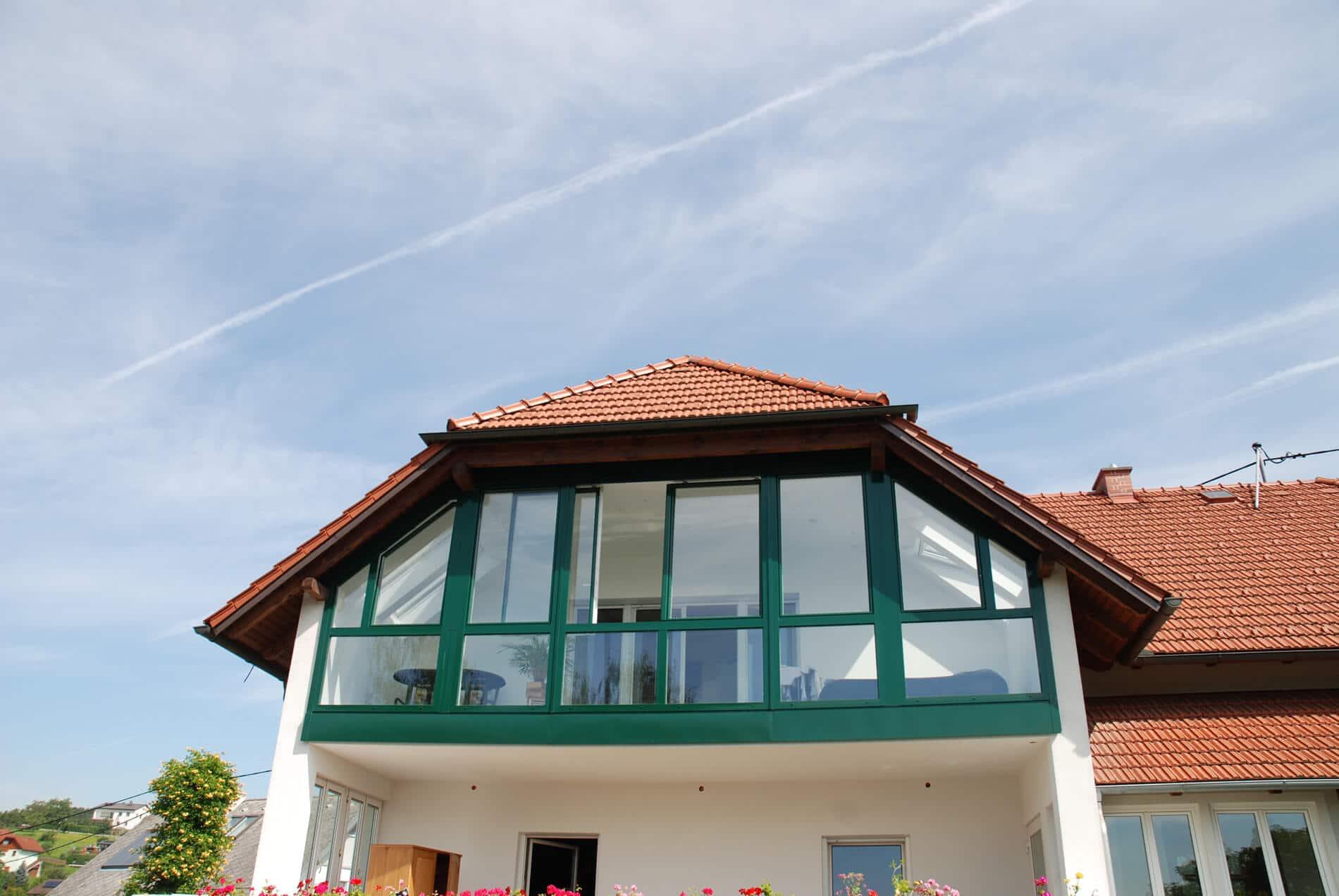 Wintergarten mit Schiebeelementen für Dachgeschoßwohnung