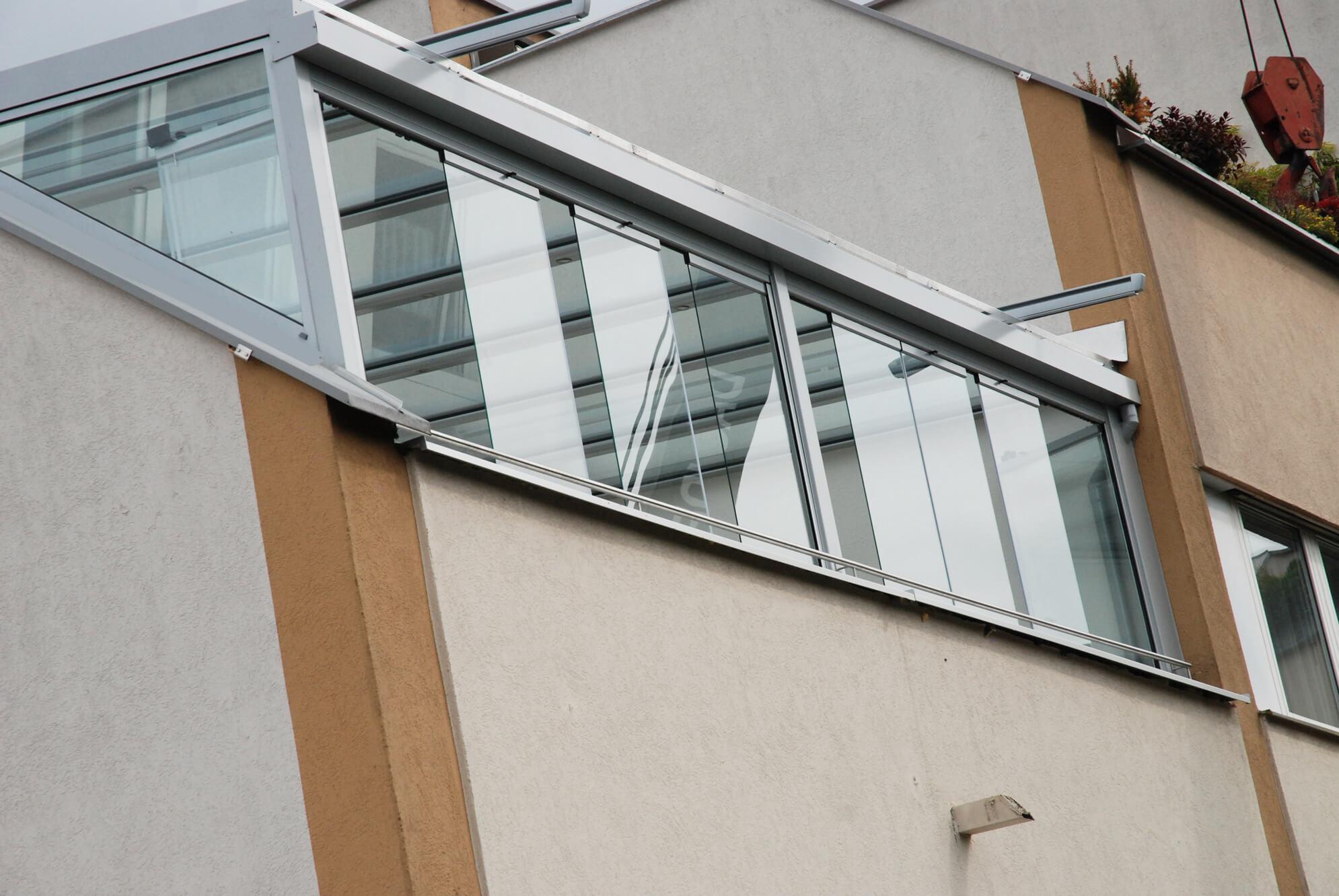 Wintergarten Schiebe-Falt-Elemente ohne Rahmen