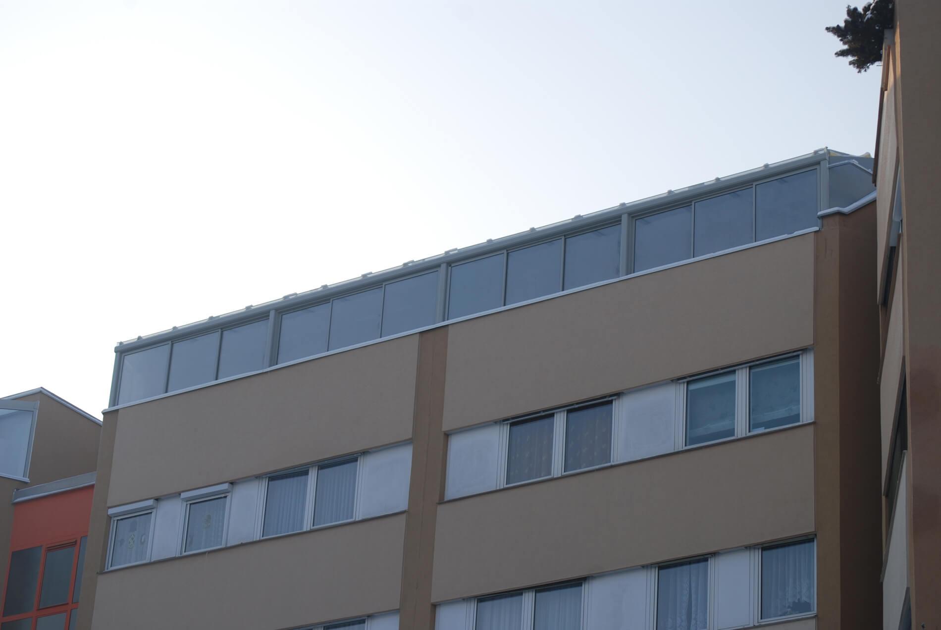 Wintergarten Terrasse in Aluminium grau