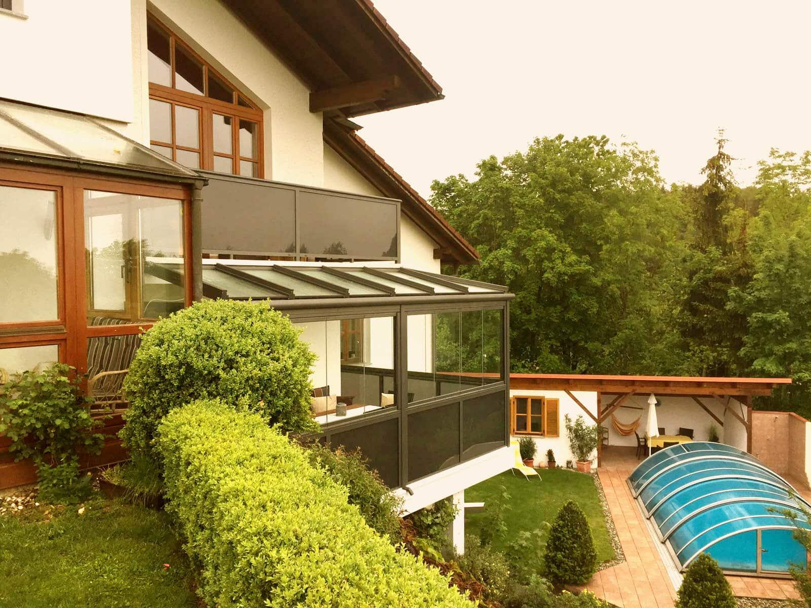 outdoor k che mit glasschiebet ren wintergarten schmidinger. Black Bedroom Furniture Sets. Home Design Ideas