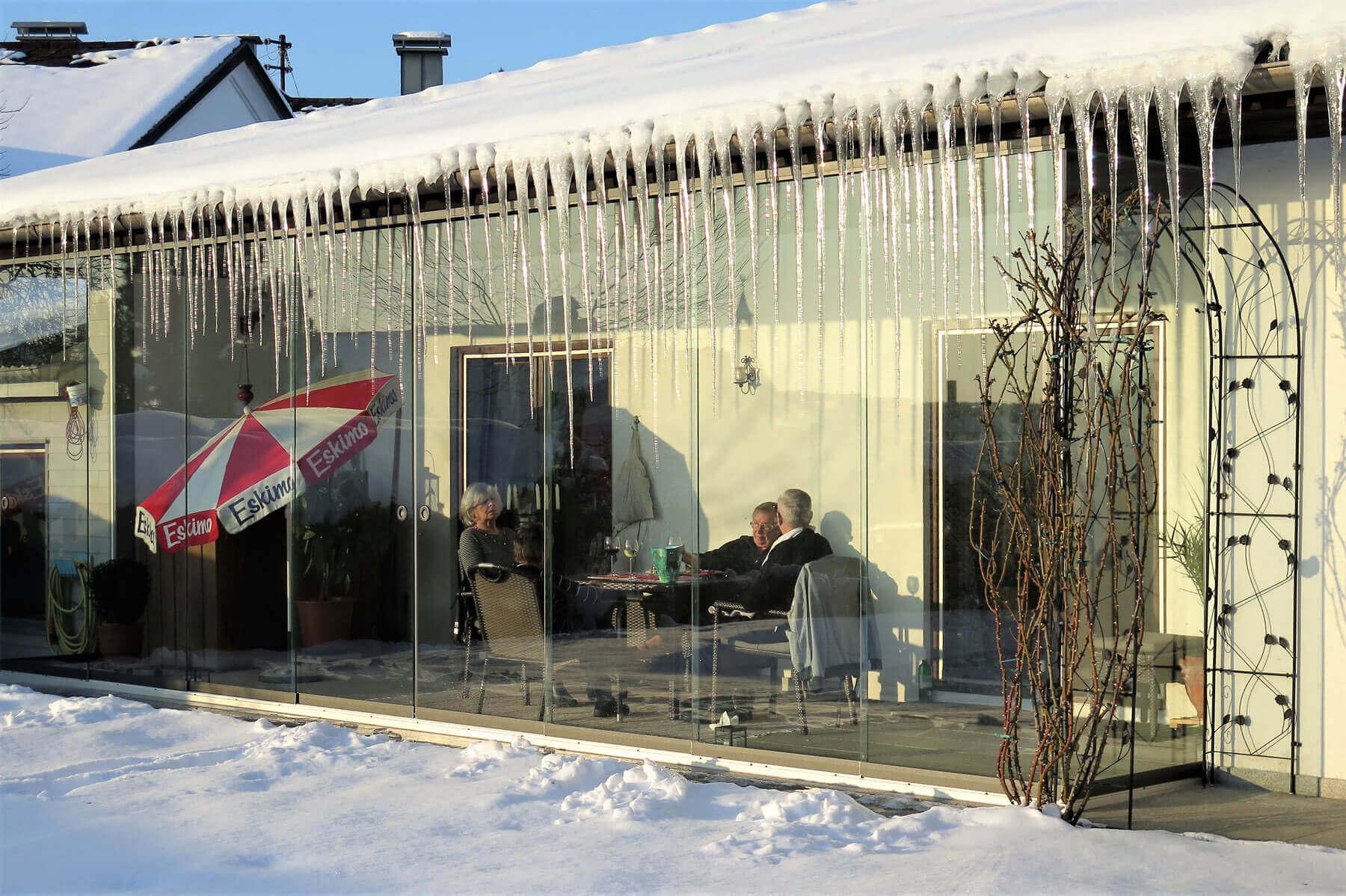 Wintergarten unter Dachüberstand